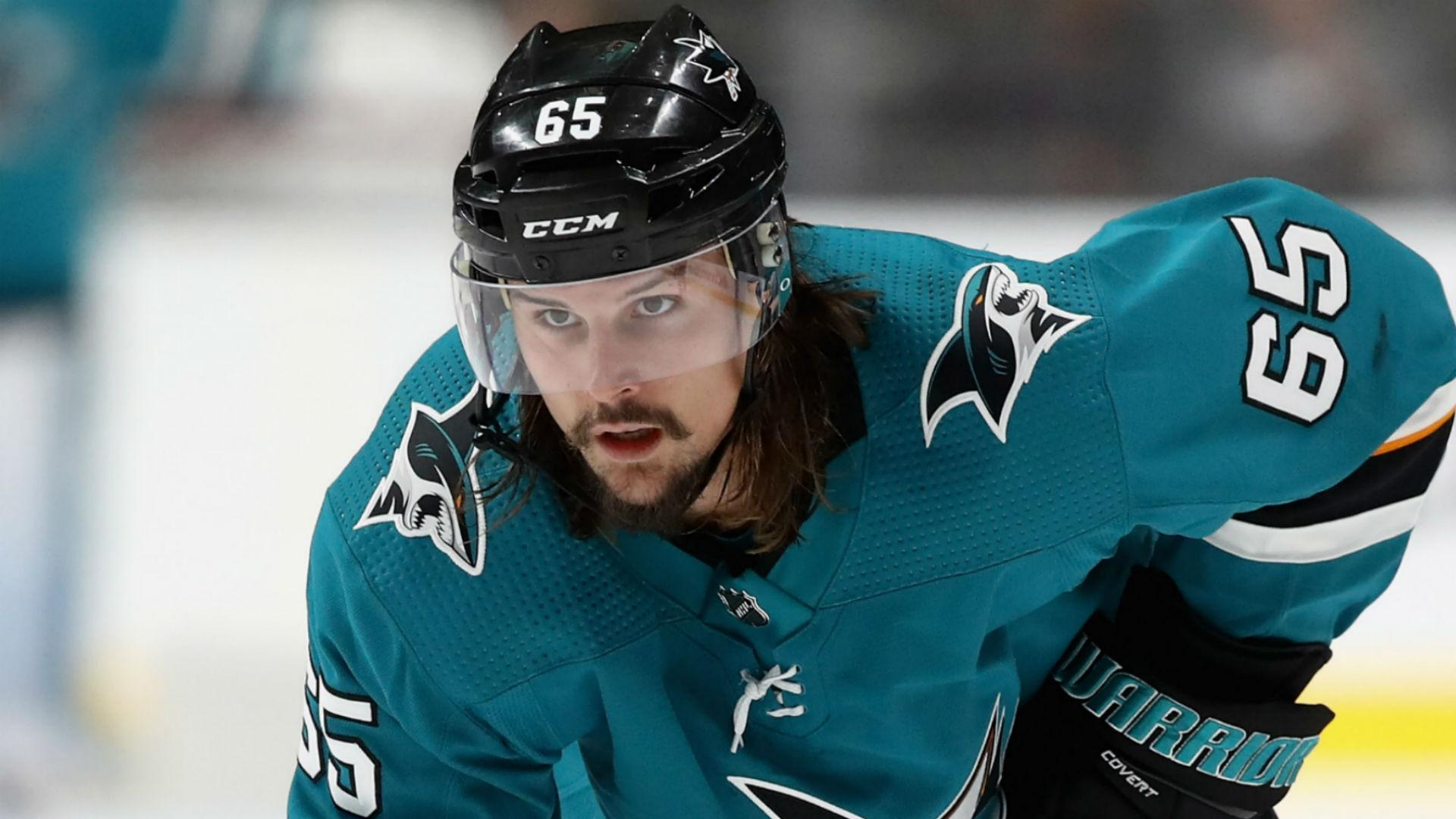 Sharks' Erik Karlsson gets solo lap and standing ovation in return