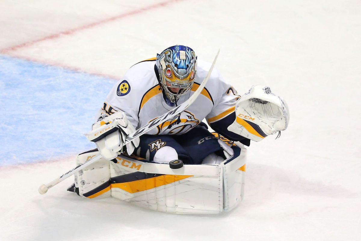 Pekka Rinne's miraculous save on clearing attempt keeps Blackhawks