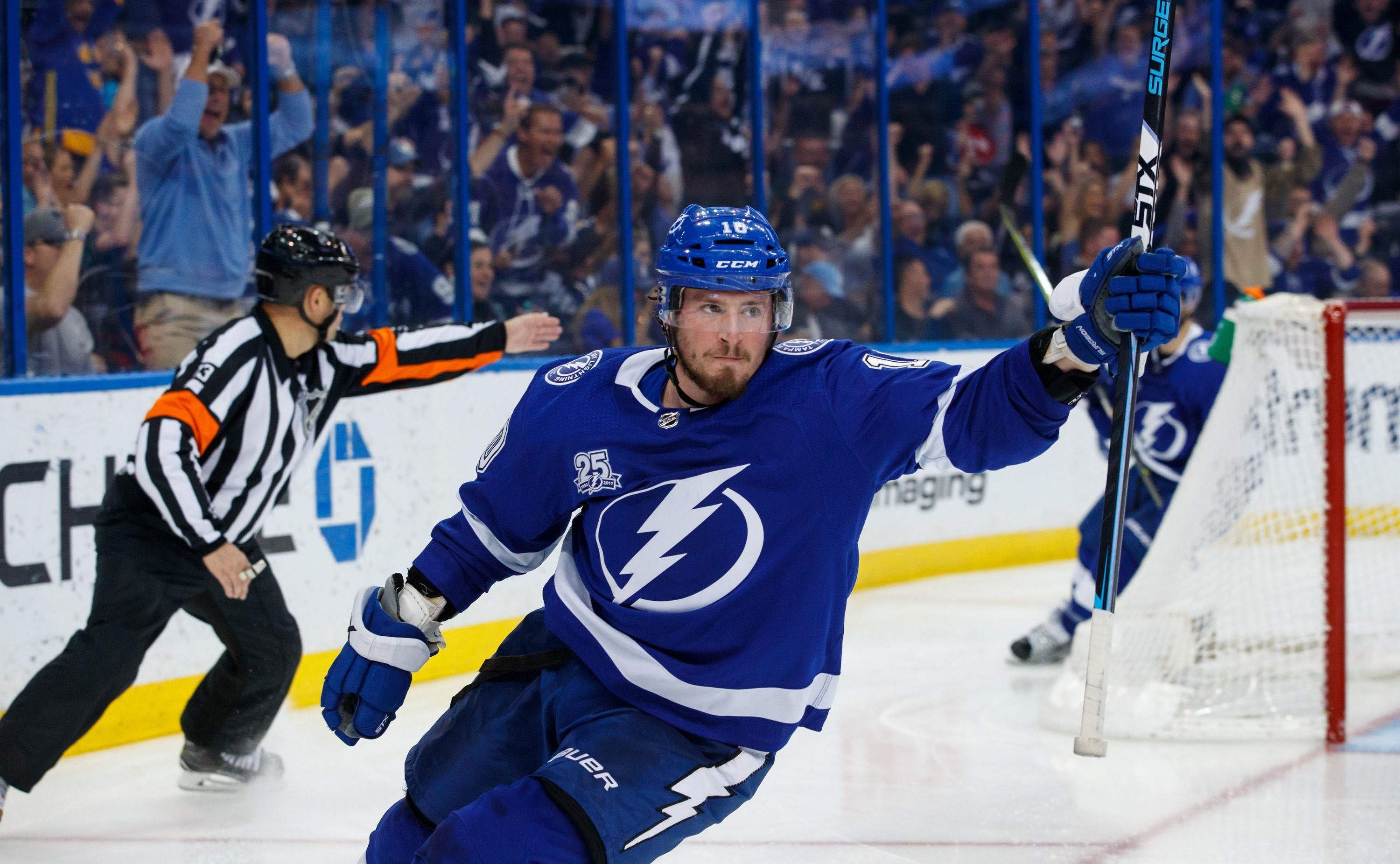 Tampa Bay Lightning dominates the Boston Bruins in season series finale