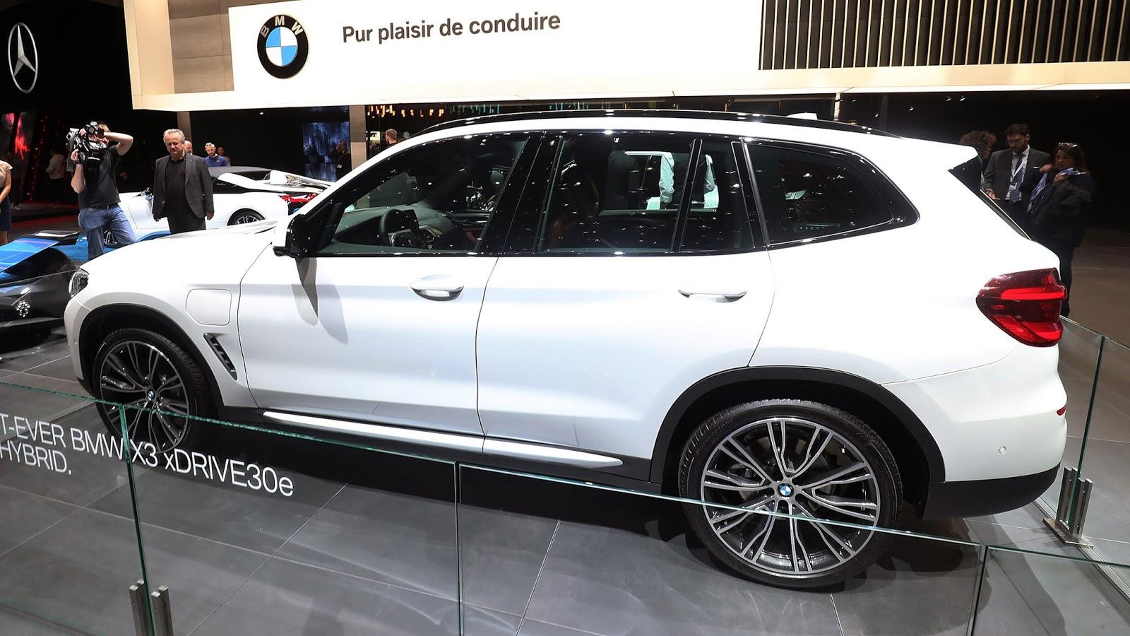 Automotiveblogz: BMW X3 xDrive30e: Geneva 2019