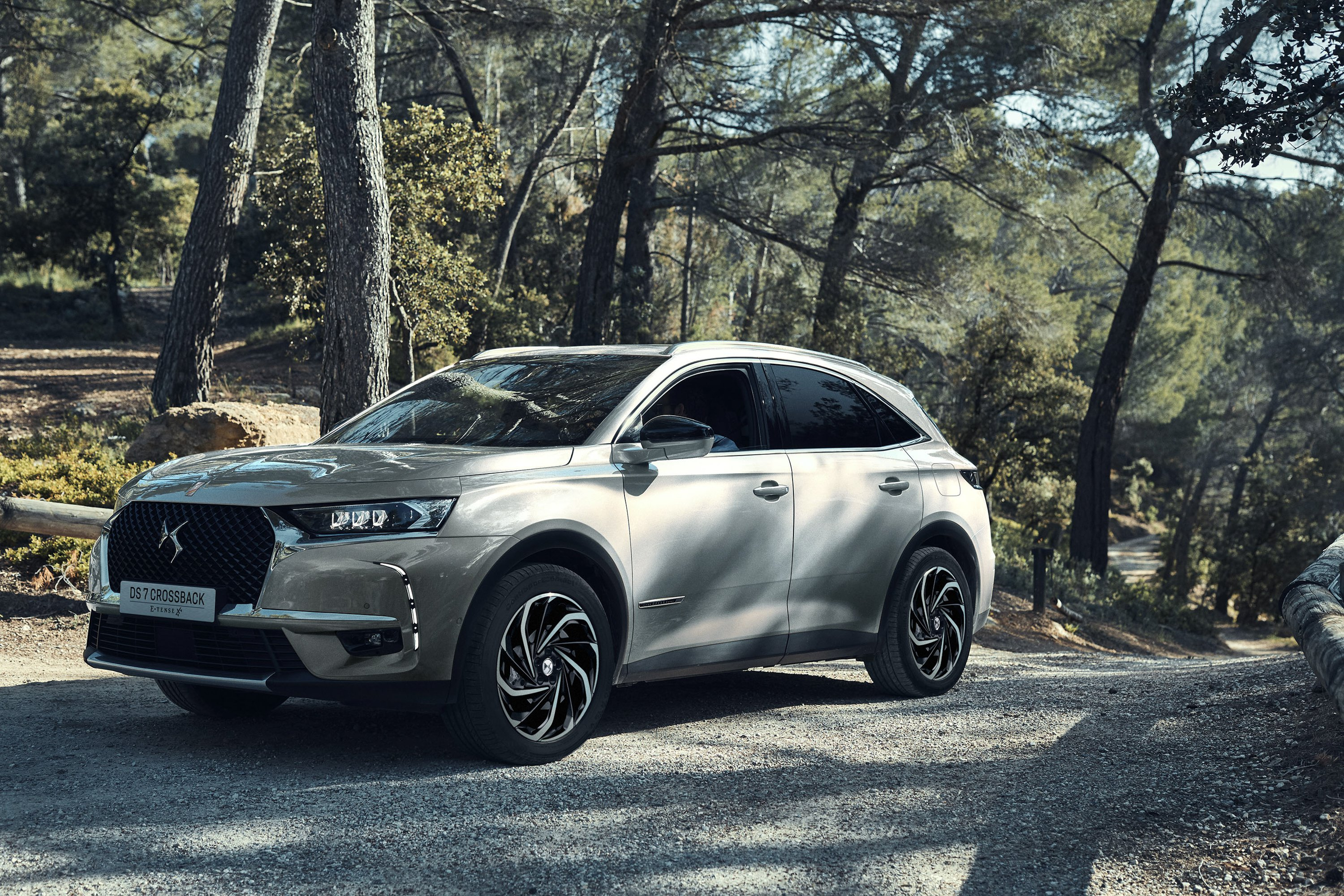 2019 Citroen DS 7 Crossback E-Tense 4x4 Pictures, Photos, Wallpapers ...