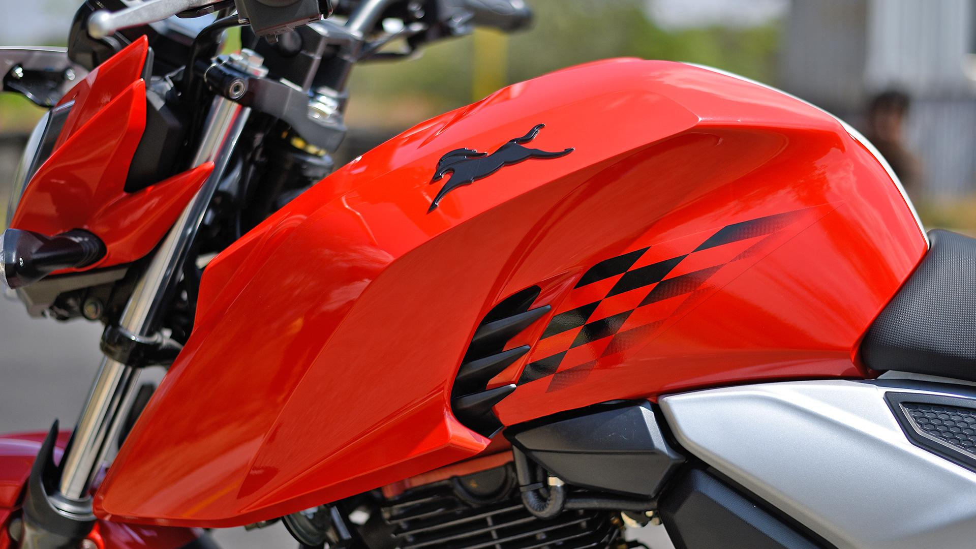 Apache rtr 160 4v wallpapers download
