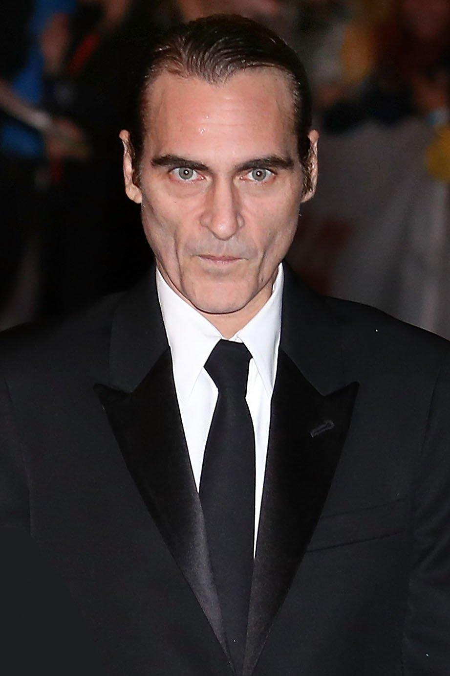Fans Freak Out Over How Much Joaquin Phoenix Is Starting To Look ...