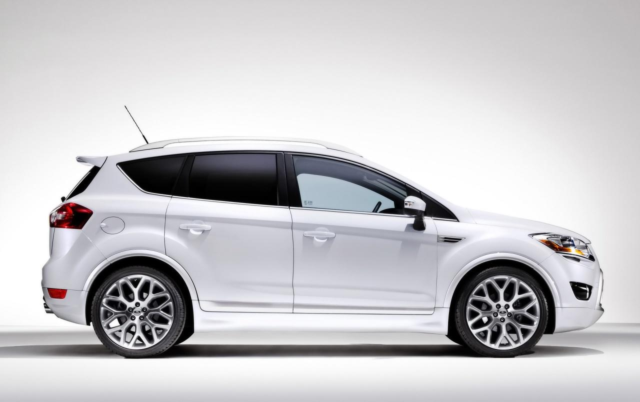 Ford Kuga side wallpapers | Ford Kuga side stock photos