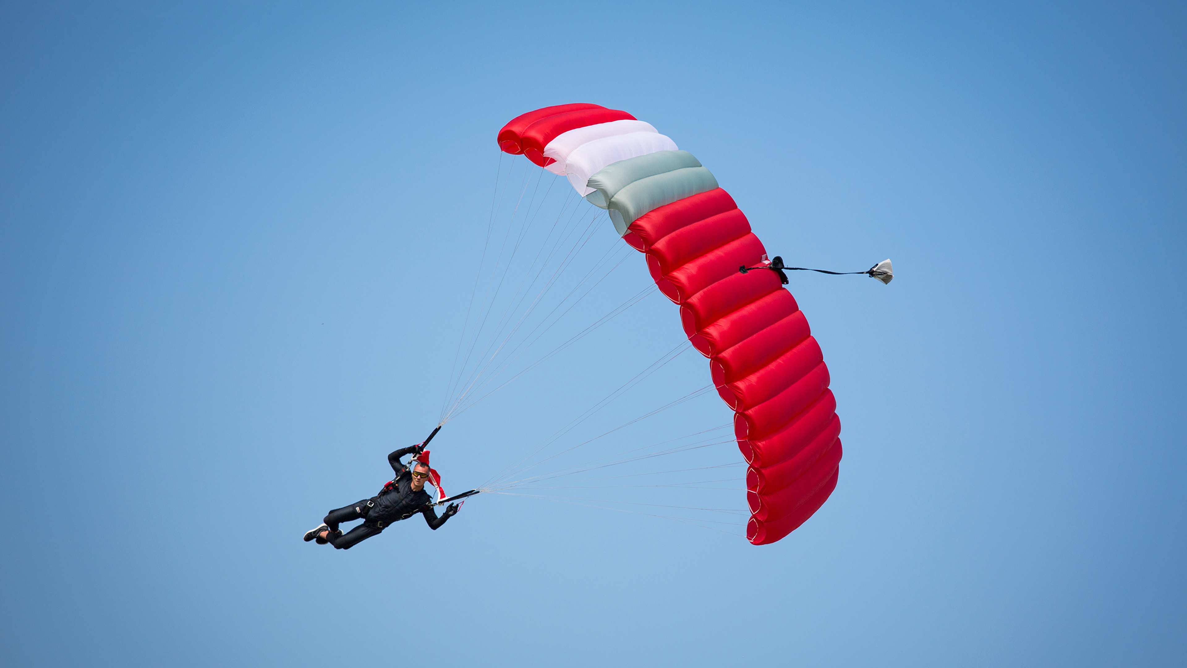 Wallpapers Man Sport Parachuting skydiving Sky 3840x2160