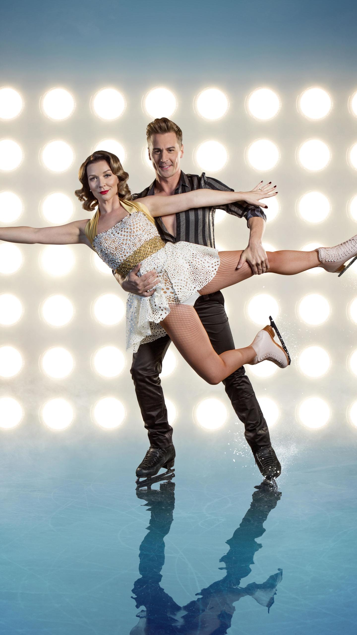 1440x2560 Dancing On Ice Candice Brown Matt Evers 8k Samsung Galaxy