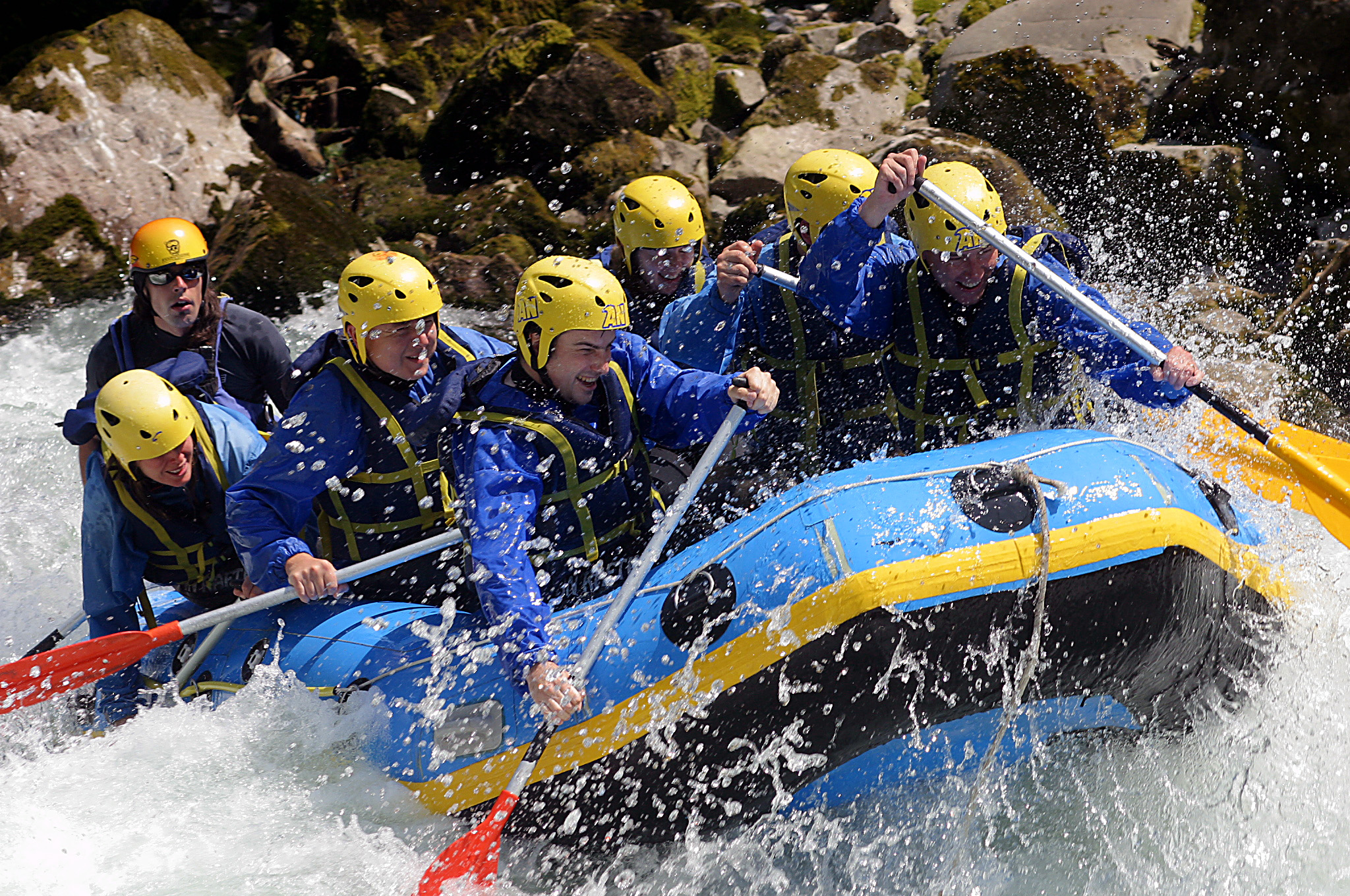 8 White Water Rafting HD Wallpapers