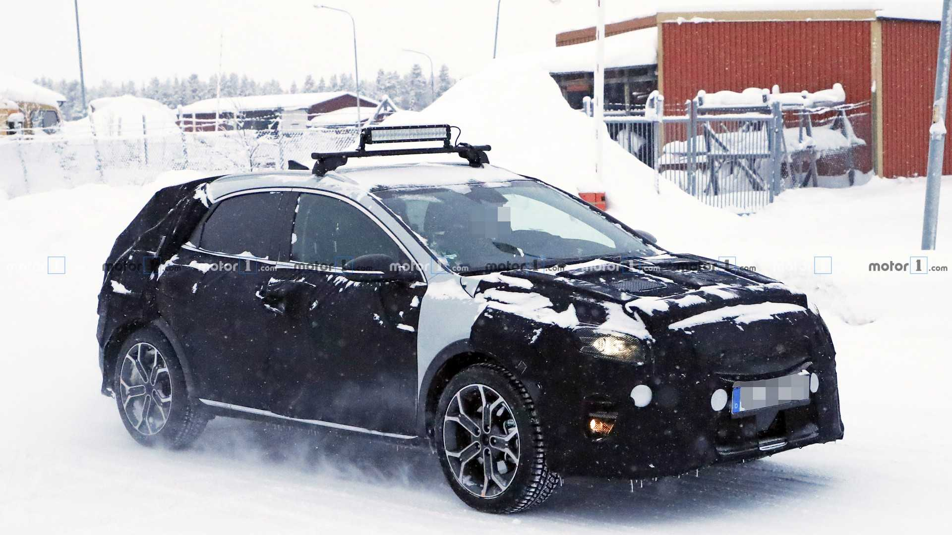 2019 Kia XCeed Crossover Spied Ahead Of Geneva Debut [UPDATE]