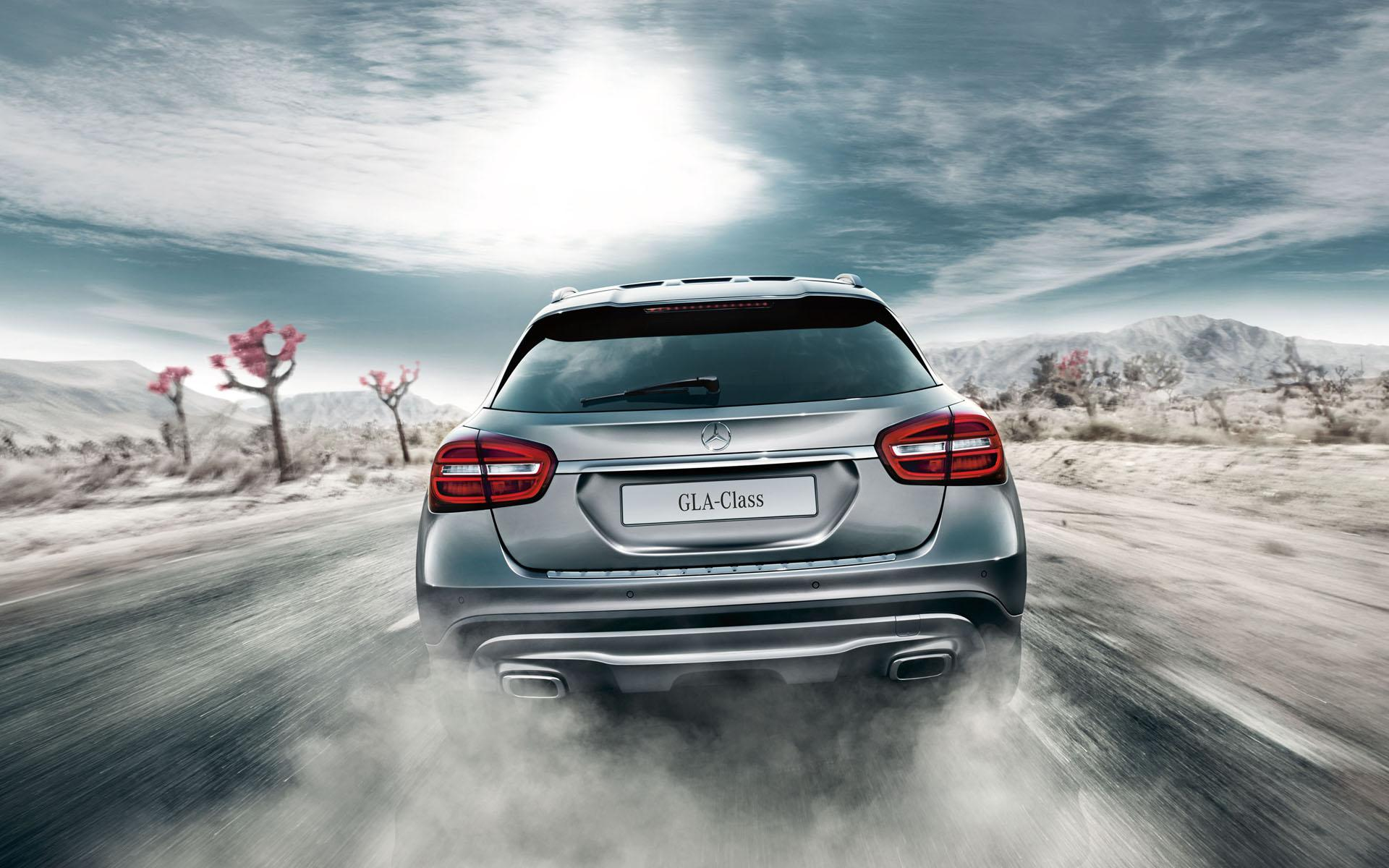 MERCEDES-BENZ GLA 200 Photos, Images and Wallpapers, Colours ...