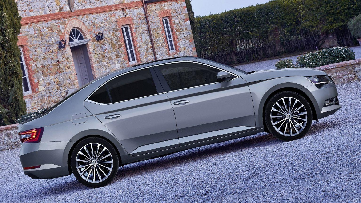 2019 Skoda Superb HD Wallpapers