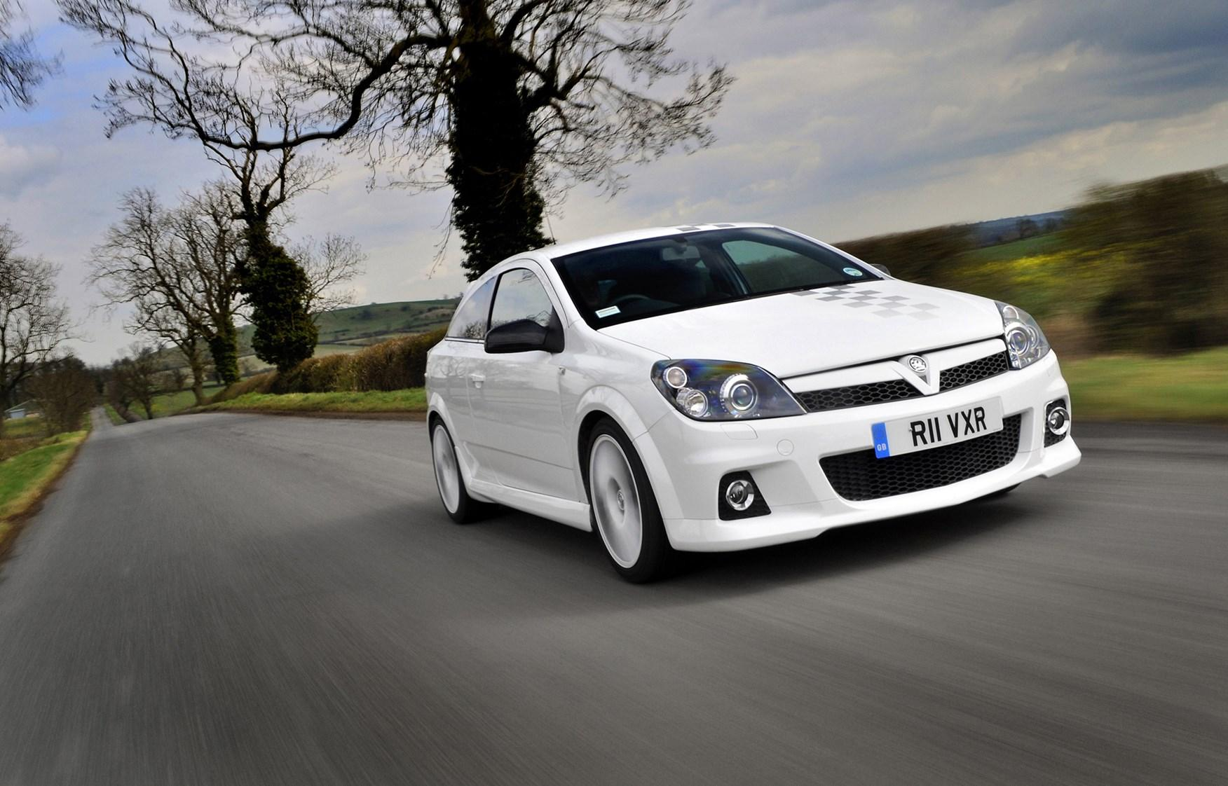 Vauxhall Astra VXR Review (2005 - 2010) | Parkers