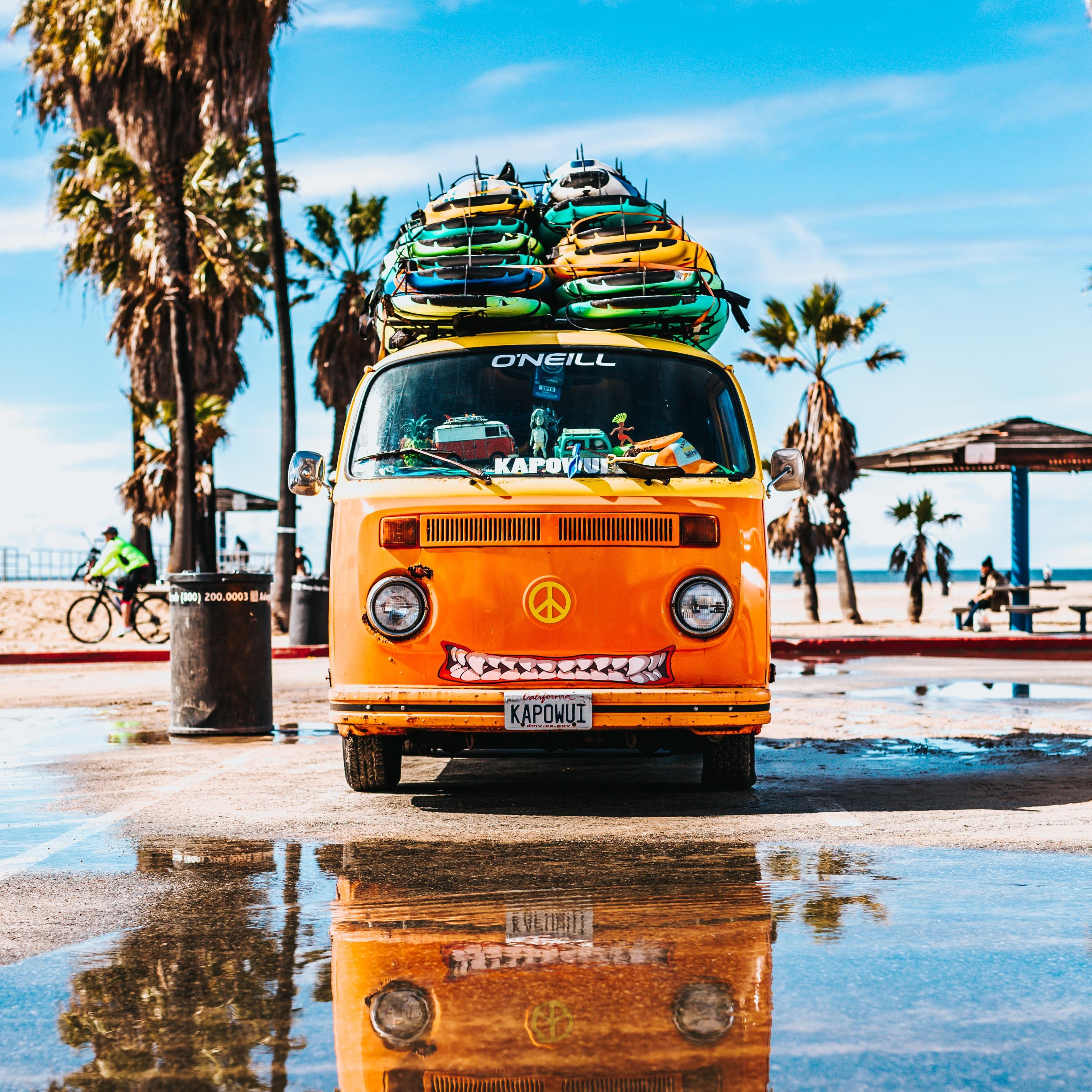 Download wallpaper 3415x3415 bus, surfing, summer ipad pro 12.9 ...