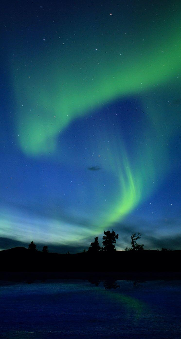 Aurora Borealis Northern Lights iPhone 5 Wallpapers / iPod Wallpapers