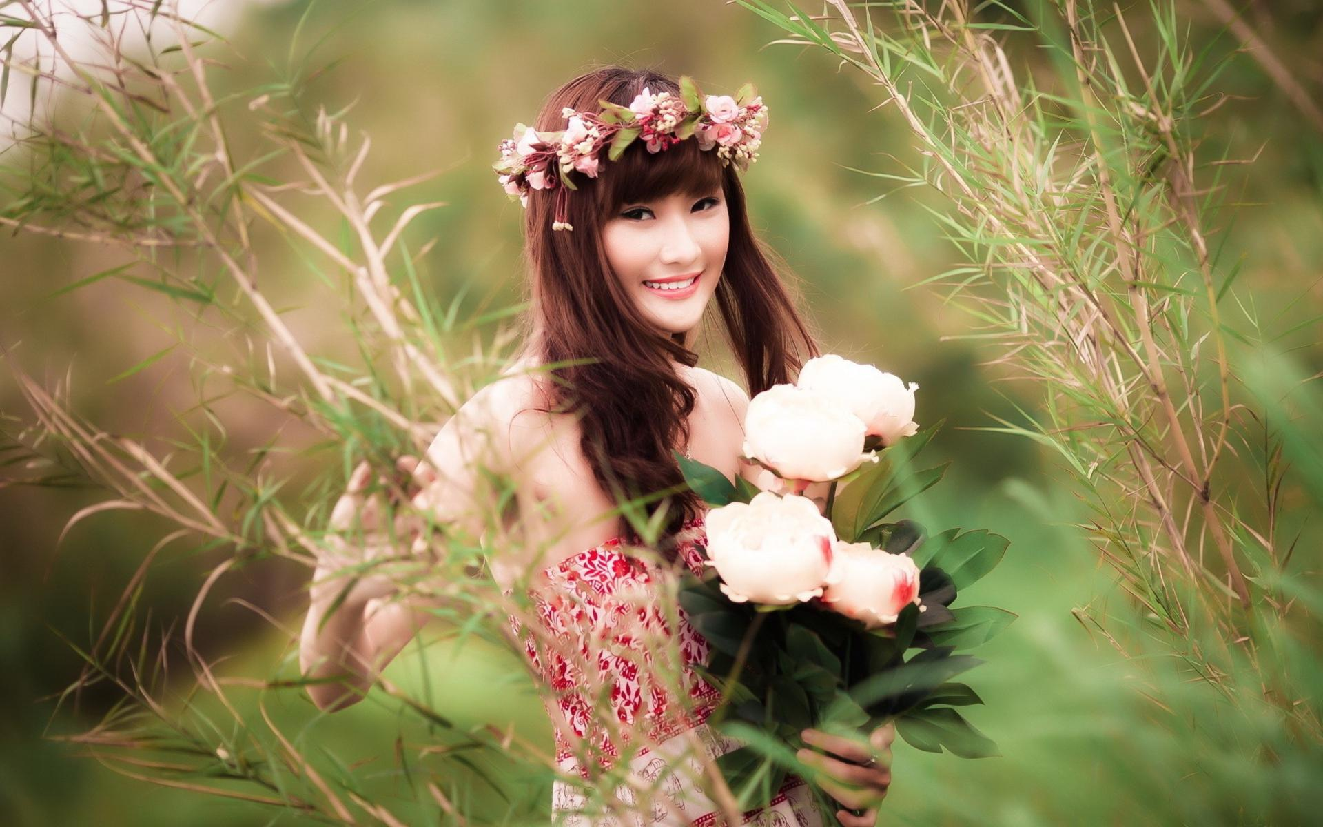 Girls And Flowers Wallpapers - Wallpaper Cave