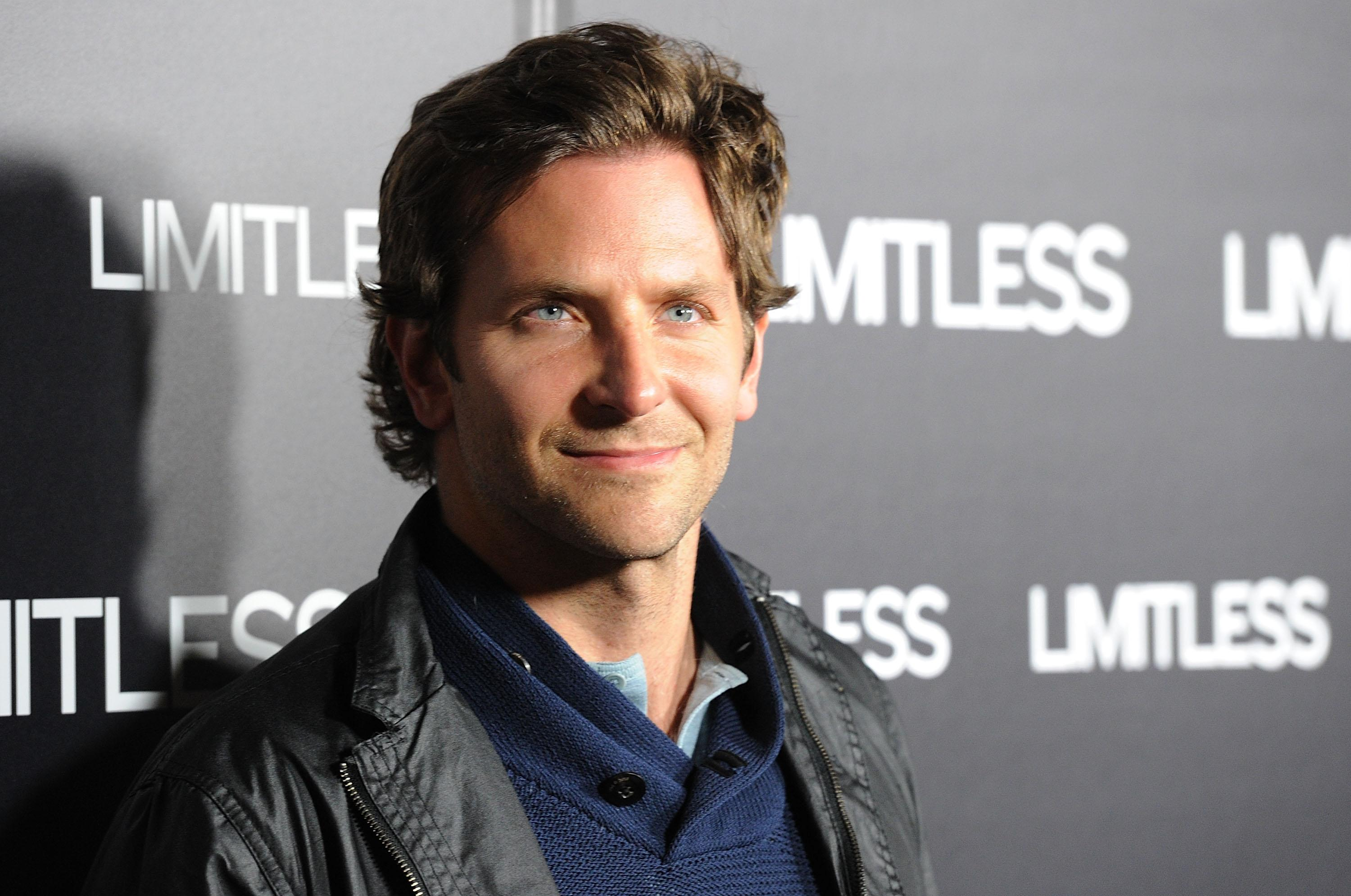 Bradley Cooper and Jennifer Lawrence Stage 'Silver Linings' Reunion