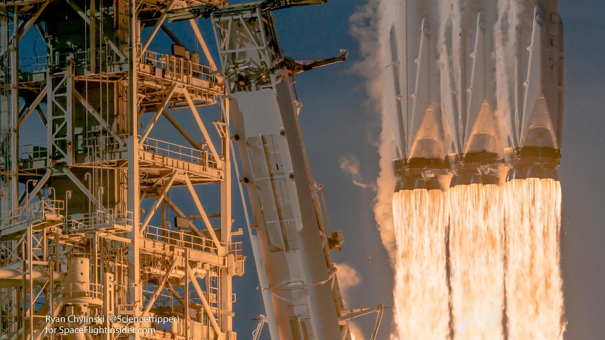 Falcon Heavy alev detayı 1300ft uzaklıktan. 42,4 MP 81,6 MB