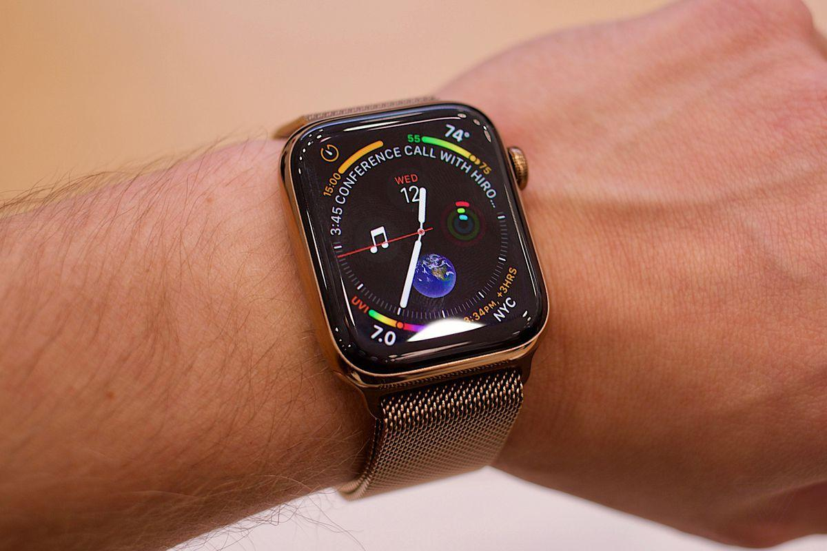 Apple Watch 4 hands