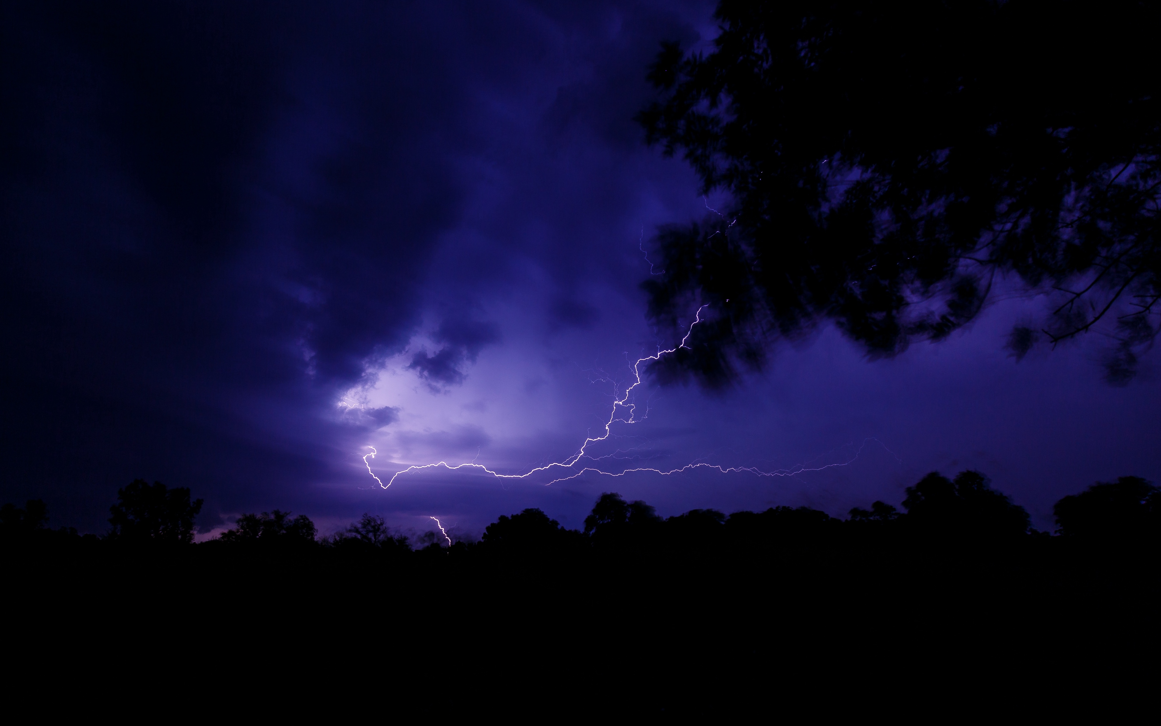 Download wallpapers 3840x2400 lightning, thunderstorm, night, dark