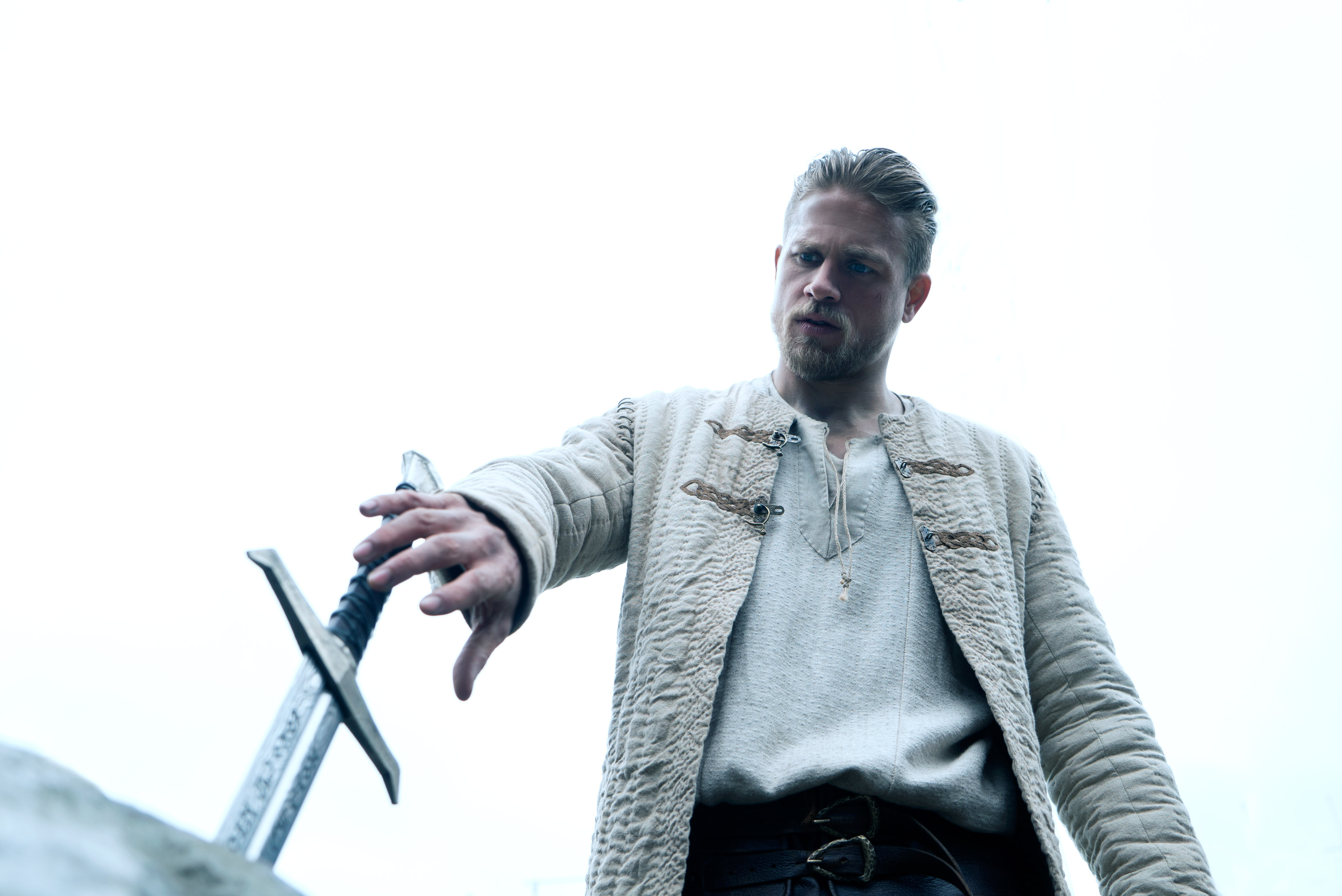 King Arthur Legend Of The Sword Wallpapers Wallpaper Cave