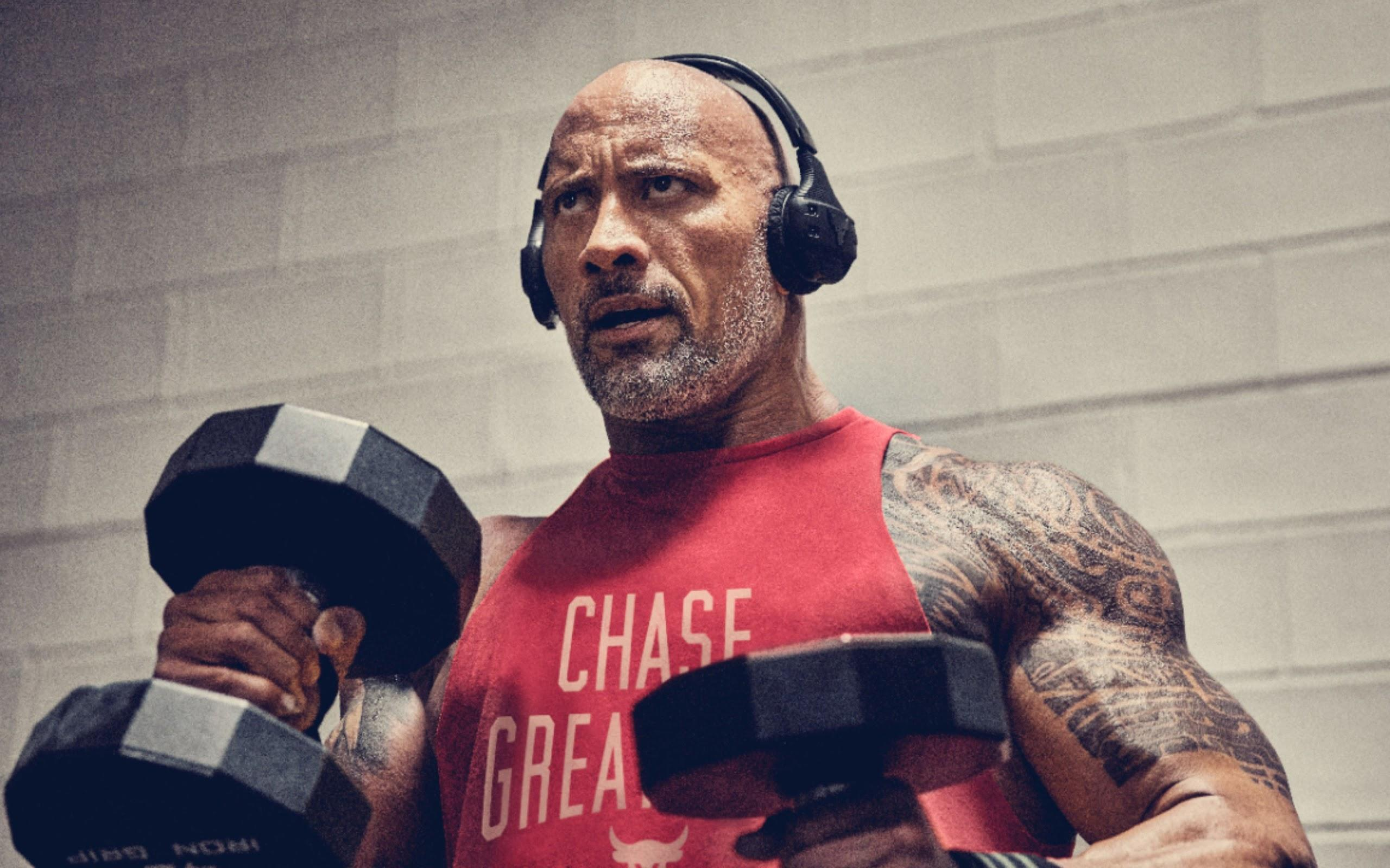 Dwayne Johnson Working Out 4K Wallpapers