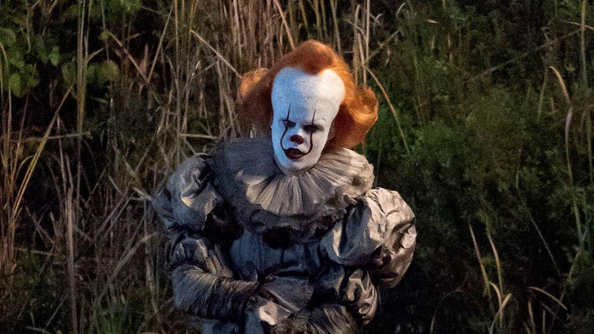 "New Photos Show Bill Skarsgård as Pennywise on the Set of ""It"
