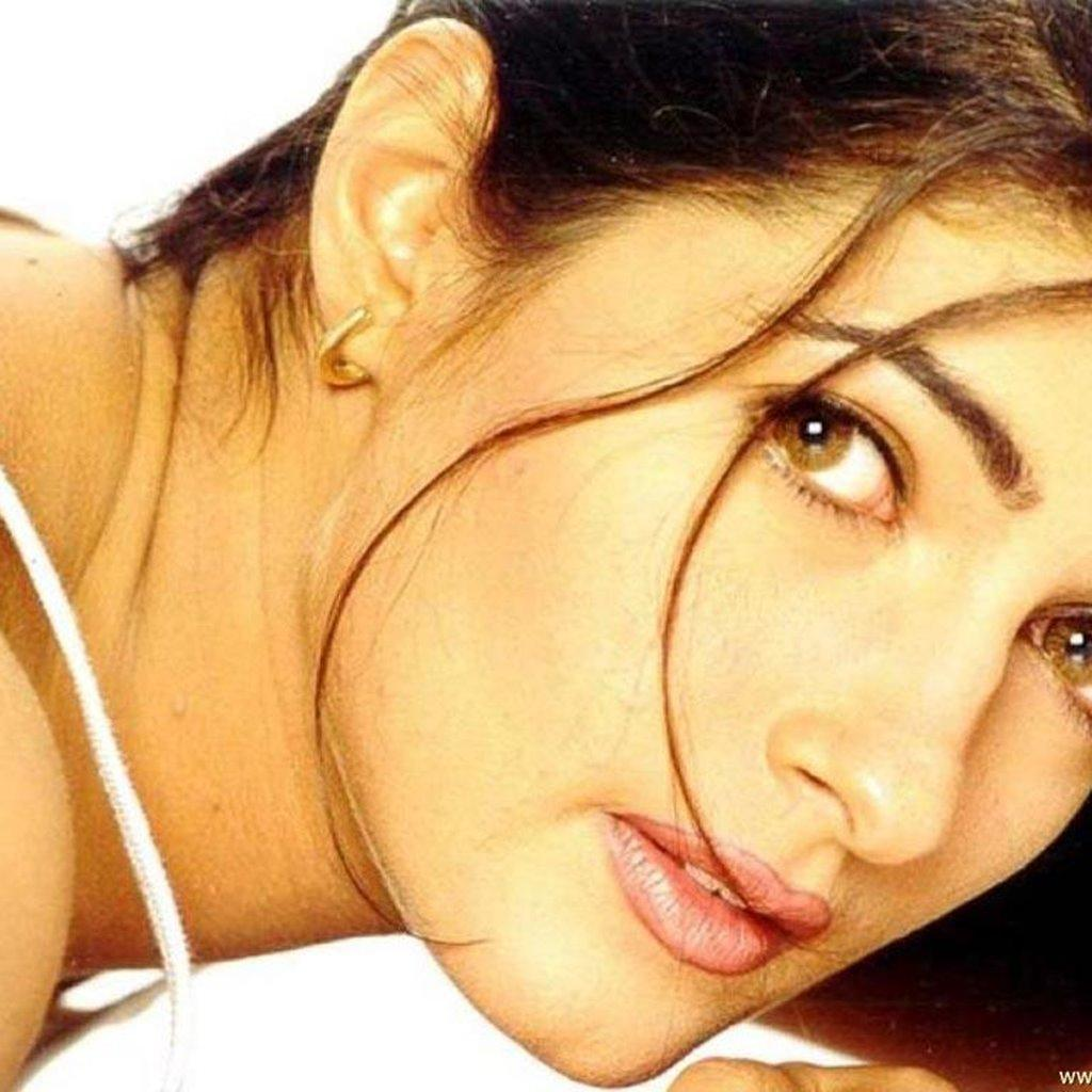 More Wallpapers Of Twinkle Khanna