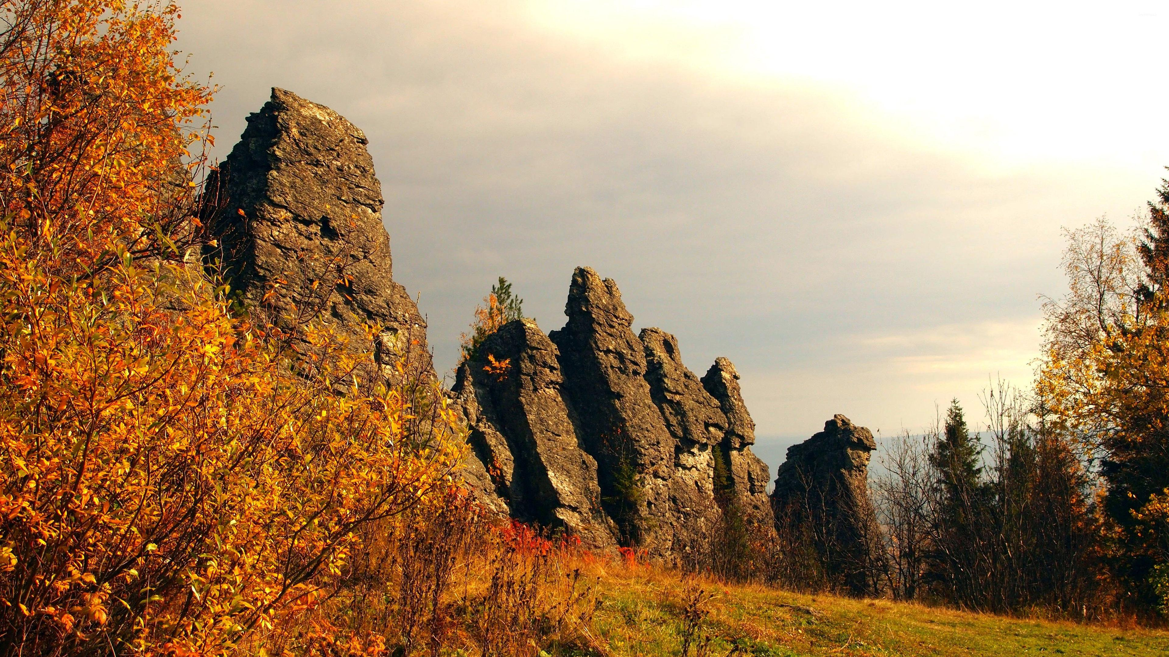 Rocky cliffs on the autumn hill wallpapers