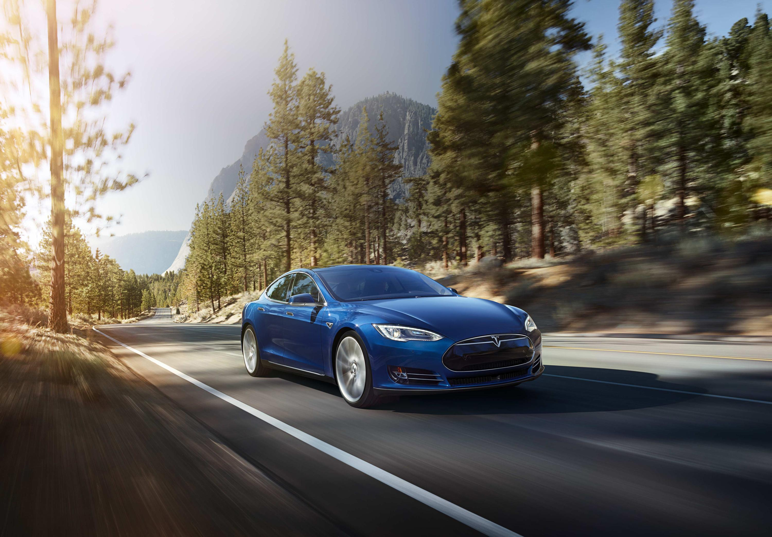 Tesla Autopilot Performs Flawlessly During Motley Fool