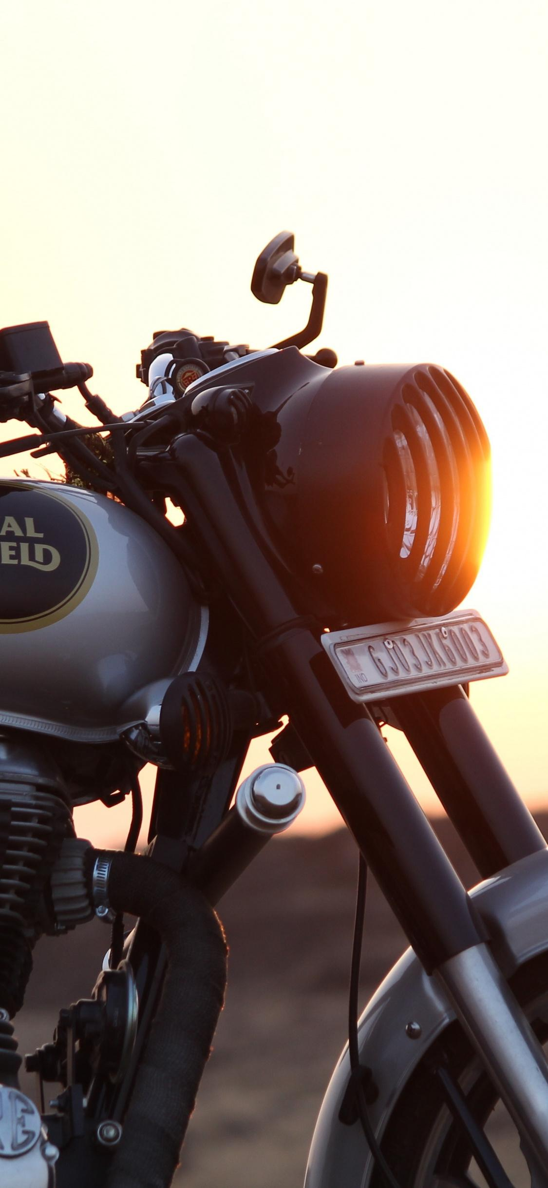 Royal Enfield 500 Stealth Black Wallpapers Wallpaper Cave