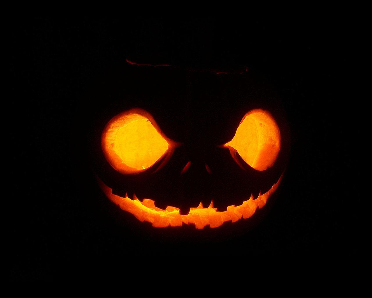 Free Scary Halloween Backgrounds & Wallpapers Collection 2014