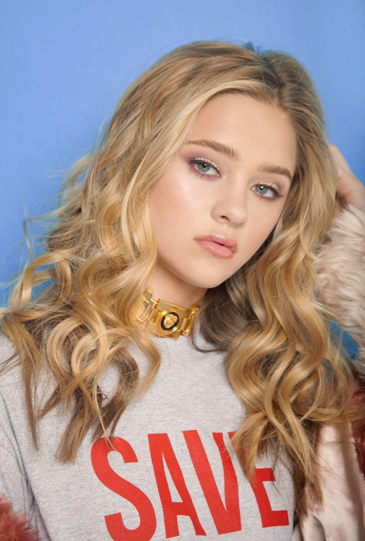Lizzy Greene Photos Photos - Nickelodeons 2016 Kids