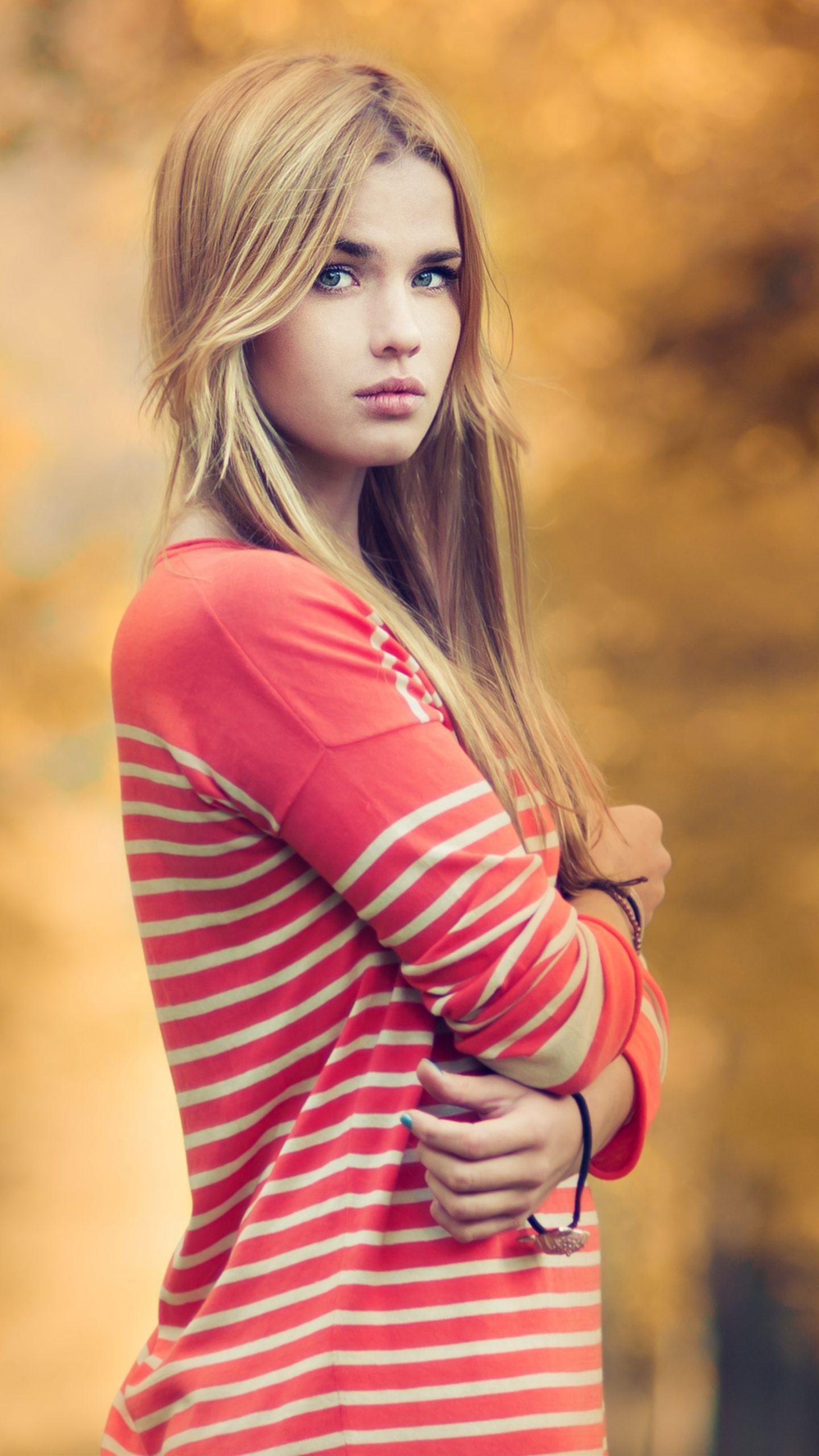 Desktop wallpaper pink lips, beautiful girl model, blonde