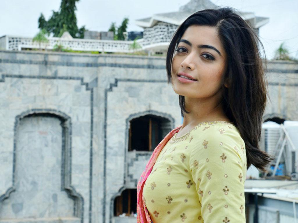 Actress Rashmika Mandanna Hd Wallpapers Free Backgrounds Image