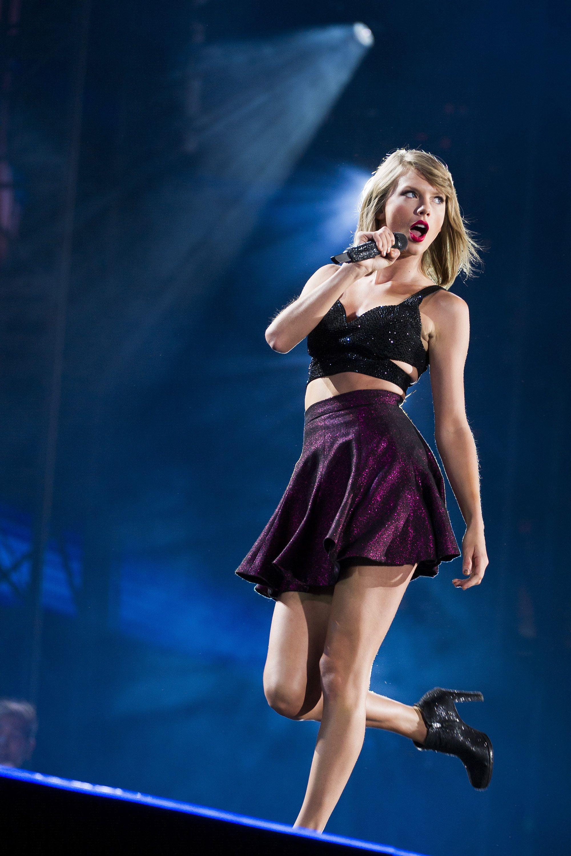Taylor Swift New Romantics Wallpapers - Wallpaper Cave