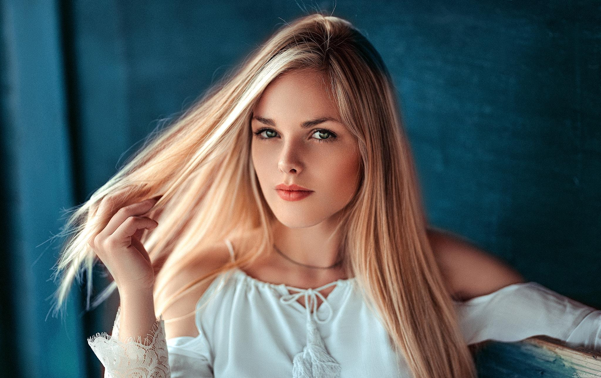 Beautiful Blondes Wallpaper