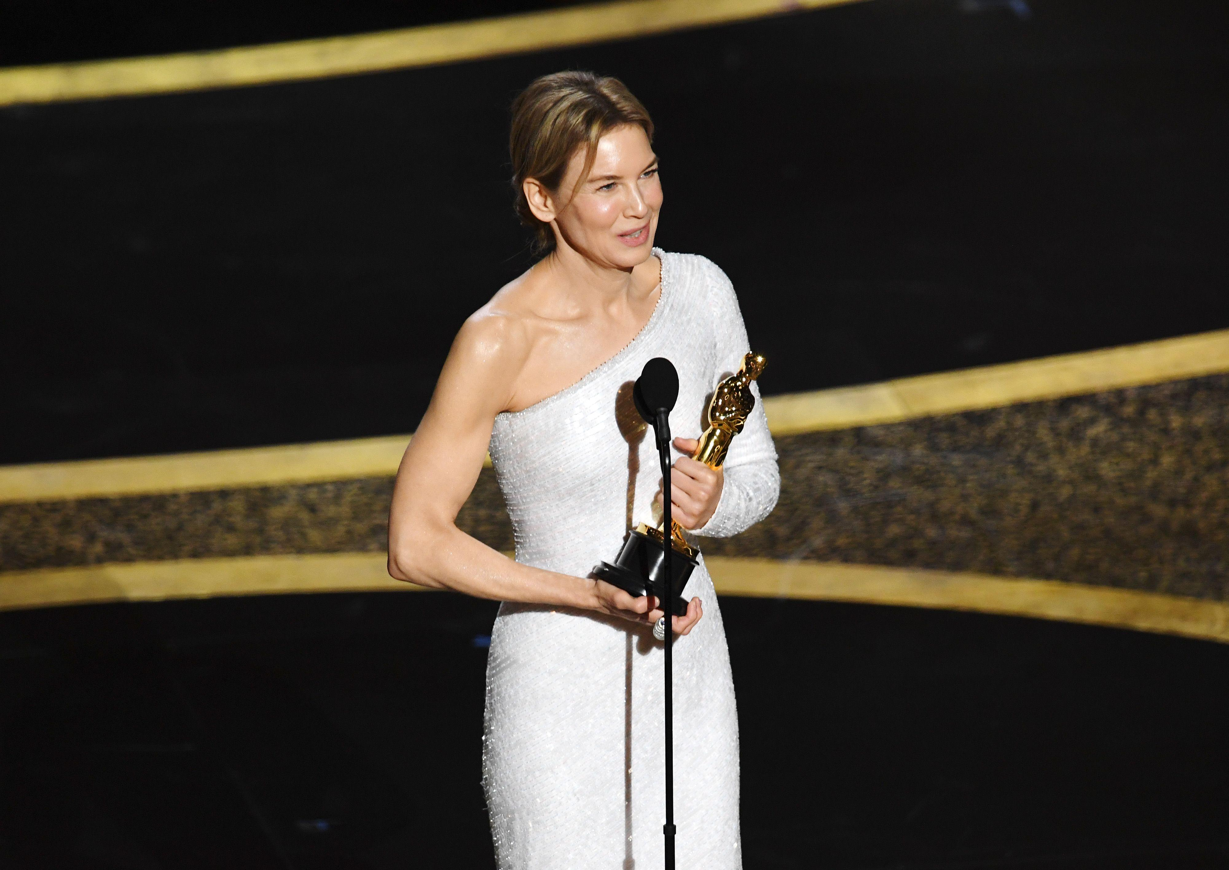 Renee Zellwegger Wins Best Actress Oscar For 'Judy': 'Our Heroes