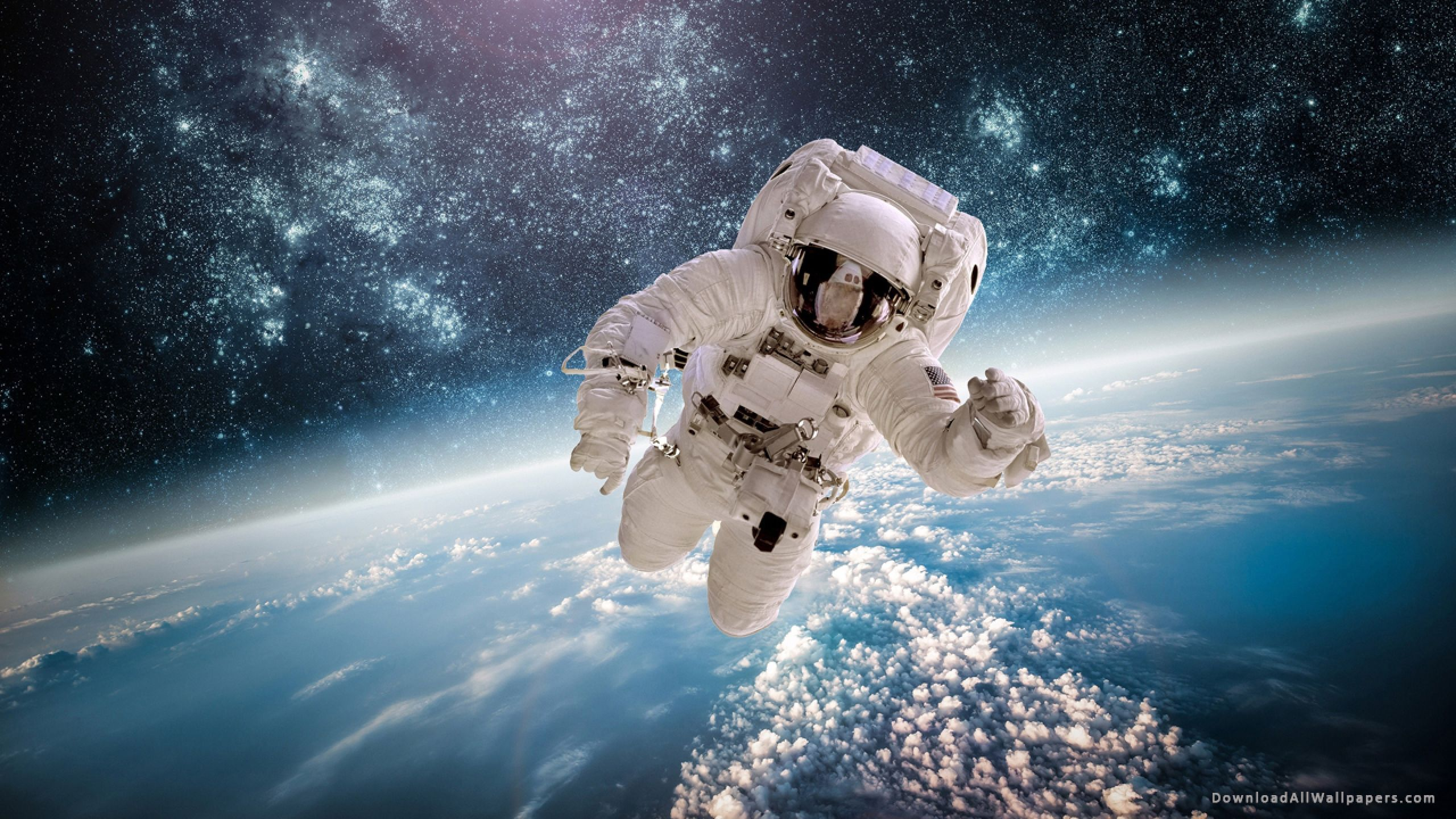 Astronaut Flying In The Space Wallpapers Wallpaper Cave