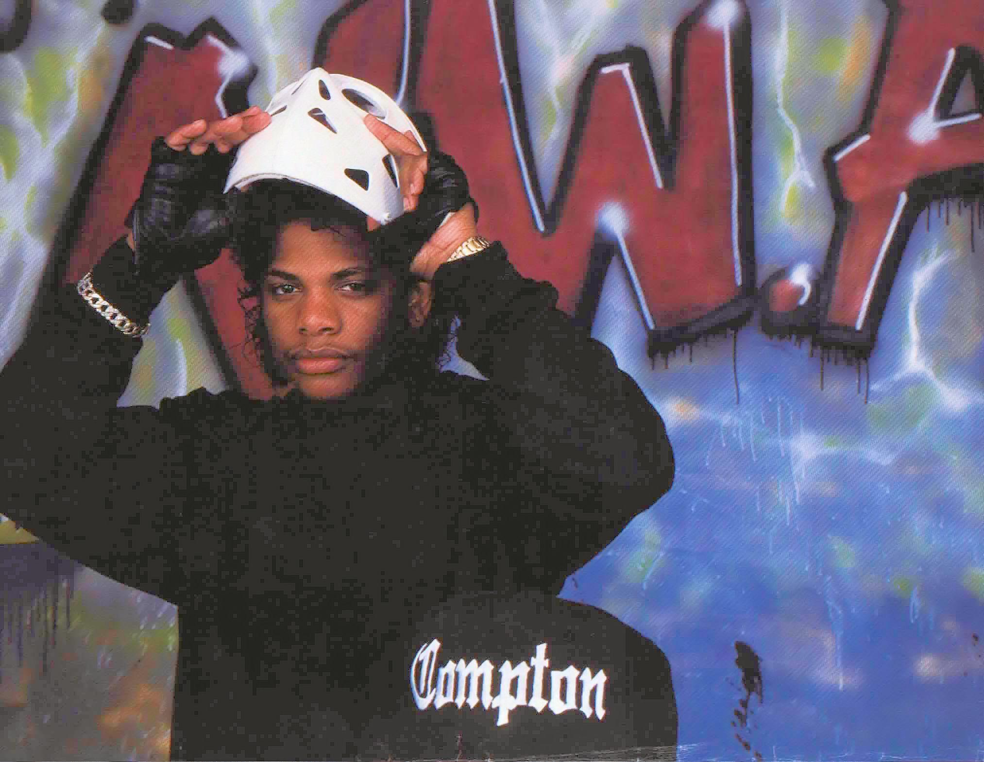 Eazy E nwa gangsta rapper rap hip hop eazy-e weapon gun d ...