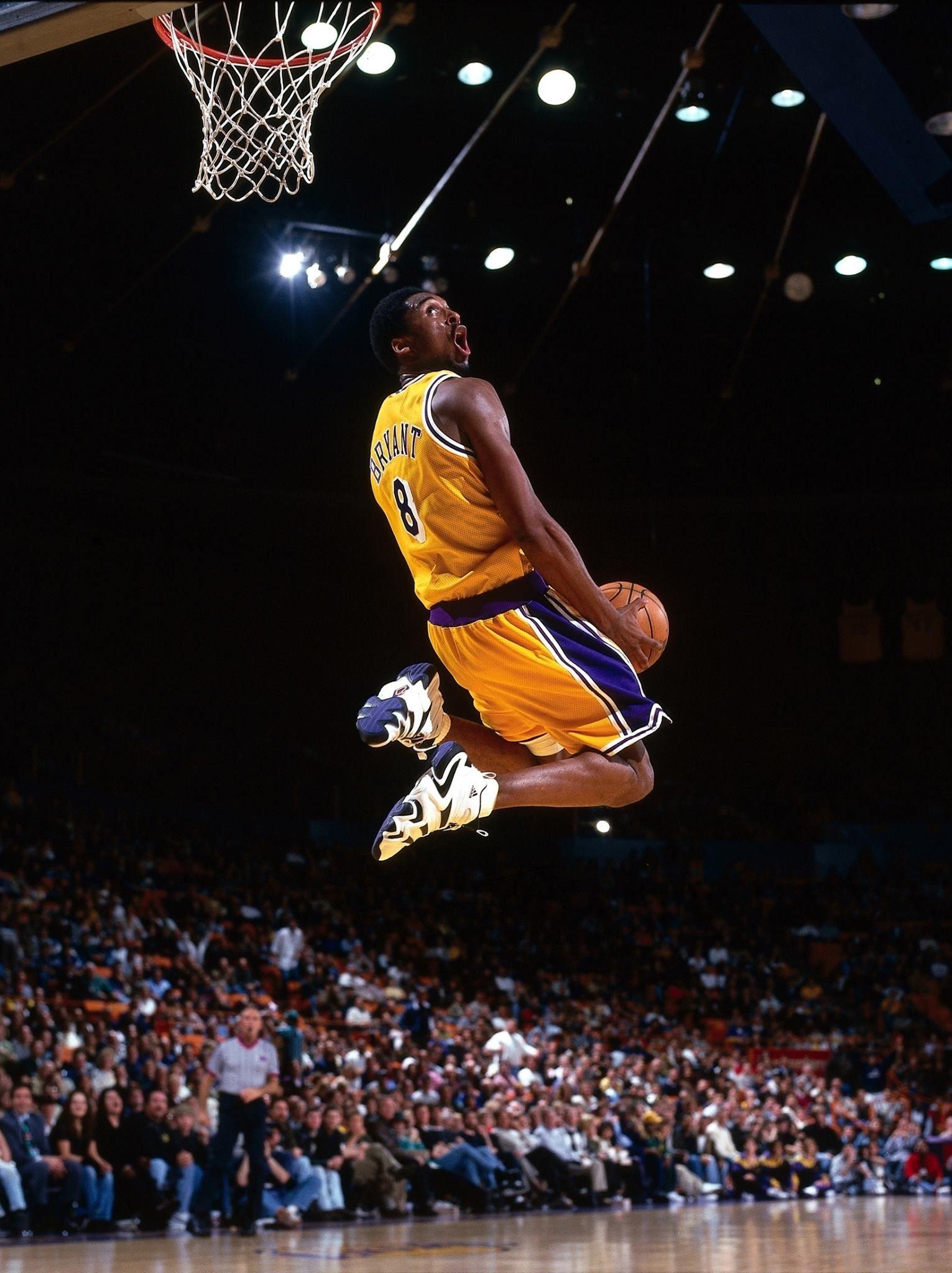 Basketball Player Kobe Bryant Wallpapers Wallpaper Cave