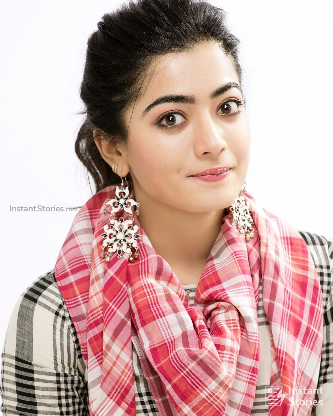 Rashmika Mandanna Latest Hot HD Photos/Wallpapers