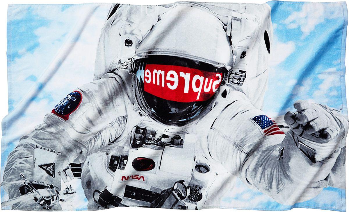 Supreme Astronaut Wallpapers - Wallpaper Cave