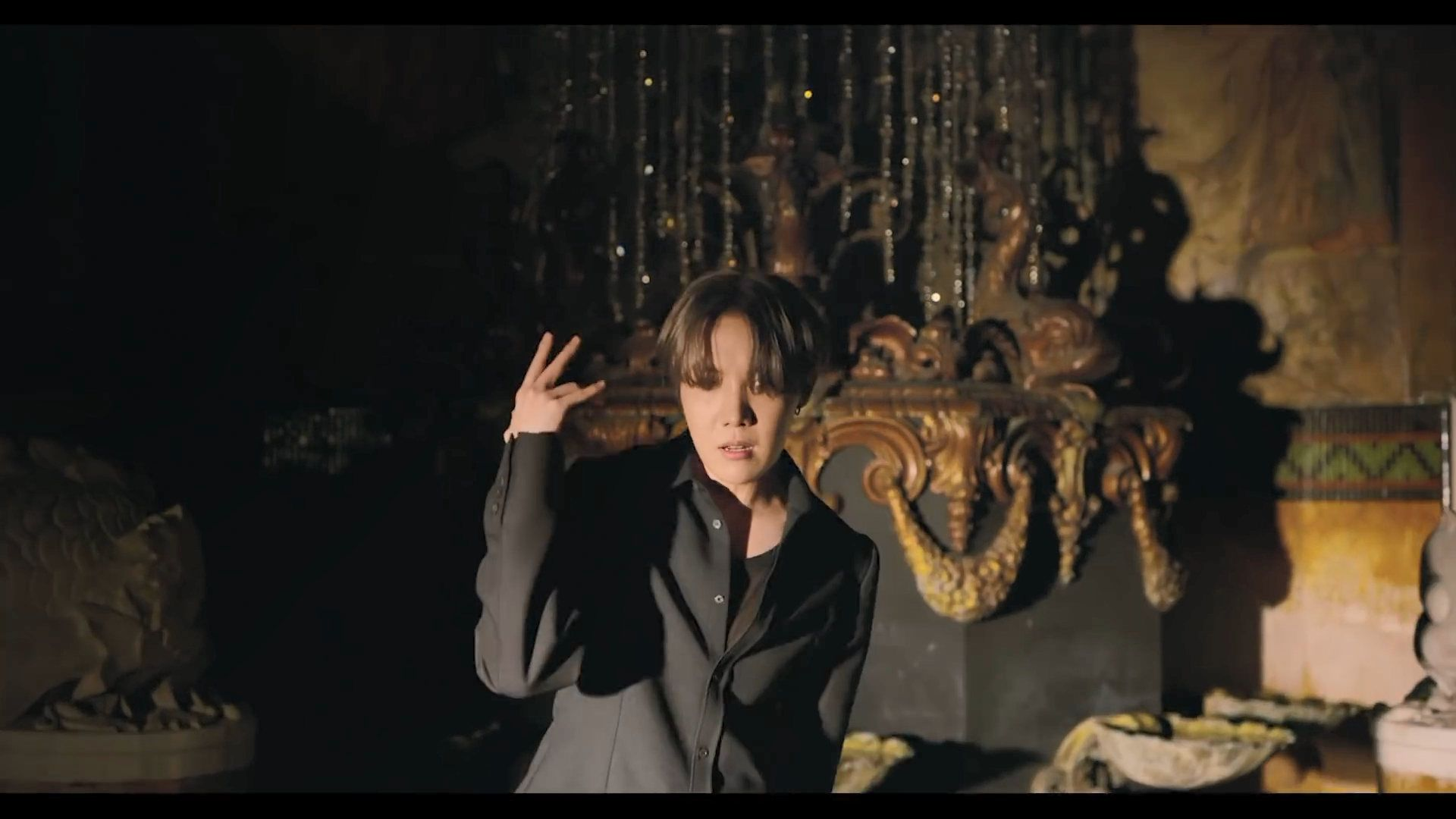 BTS Black Swan MV Screencaps and who's who