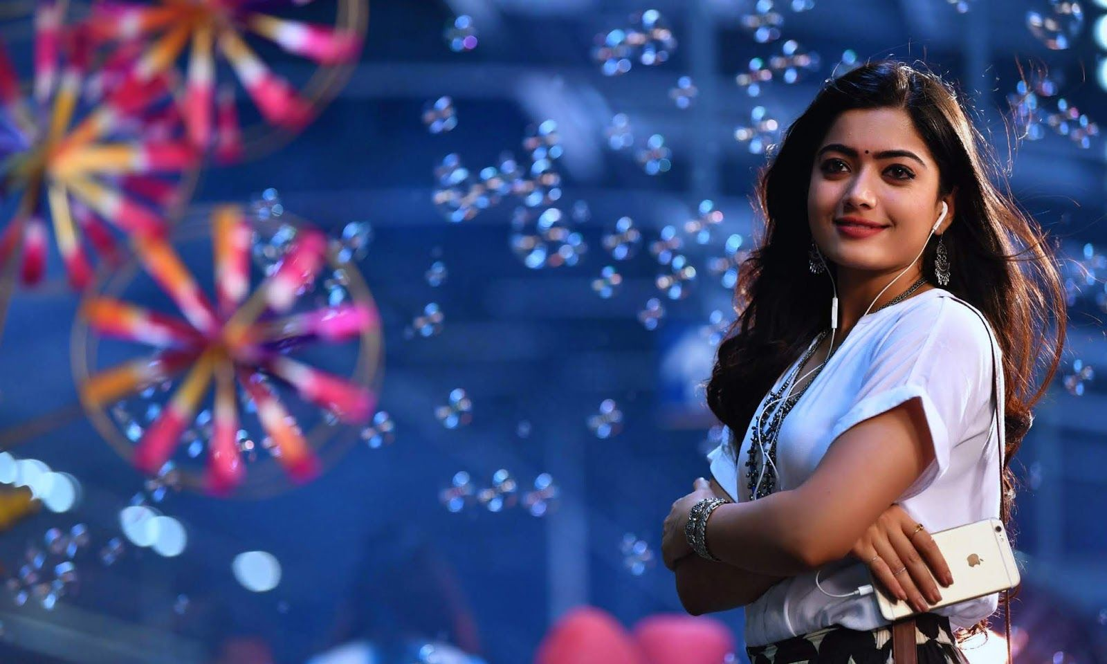 Rashmika HD Wallpapers