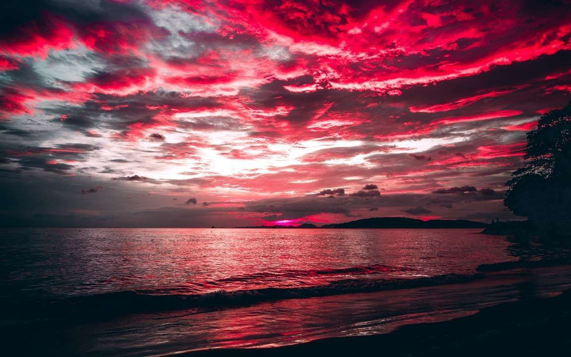 Download wallpapers 3840x2400 sea, sunset, clouds, night, shore 4k