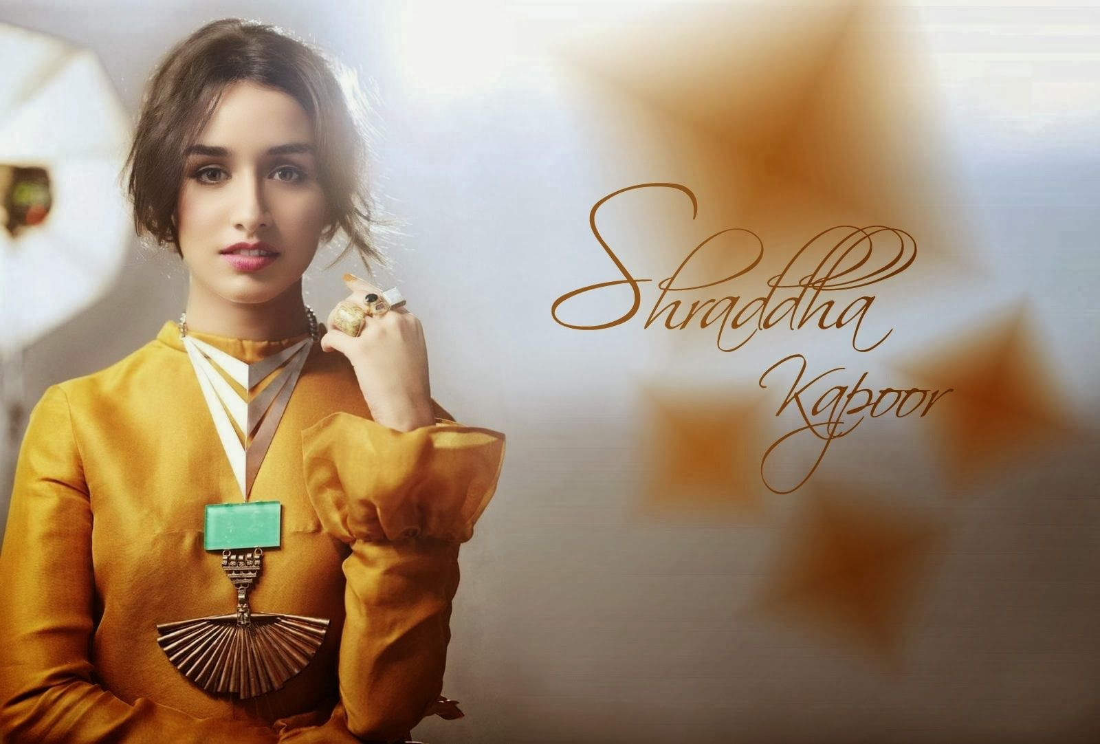 Close up of Shraddha kapoor Wallpapers Top Wallpapers HD 1600x1082