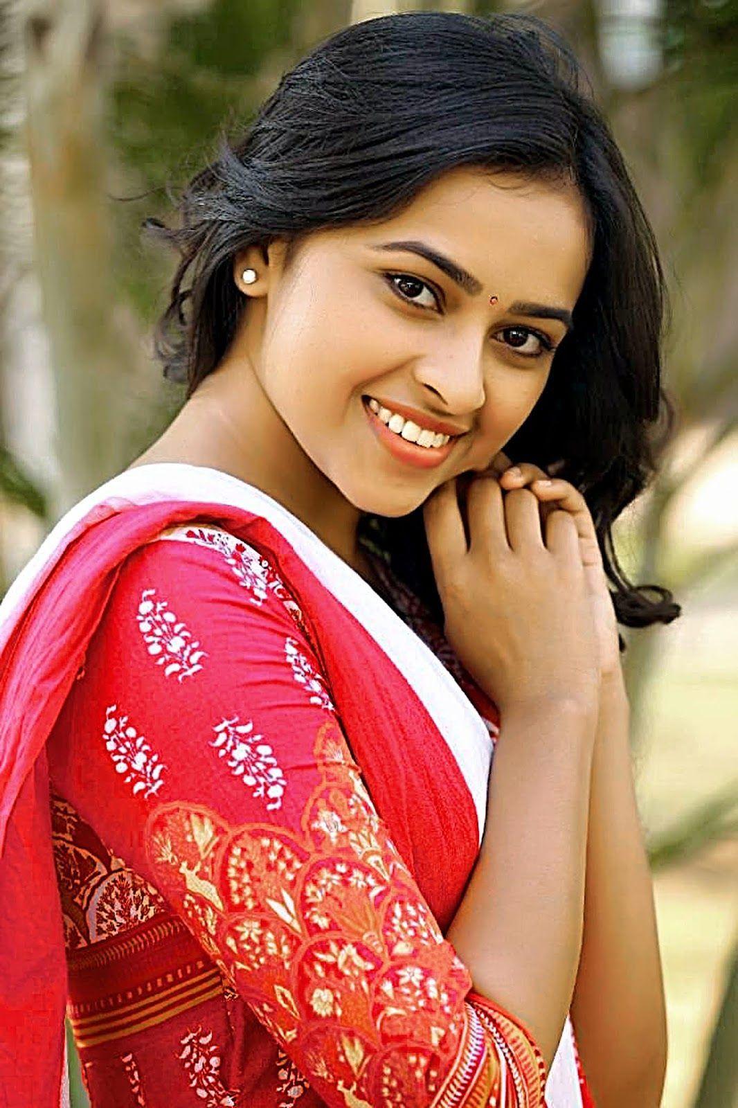 [50+] Tamil Actress HD Wallpapers on WallpaperSafari