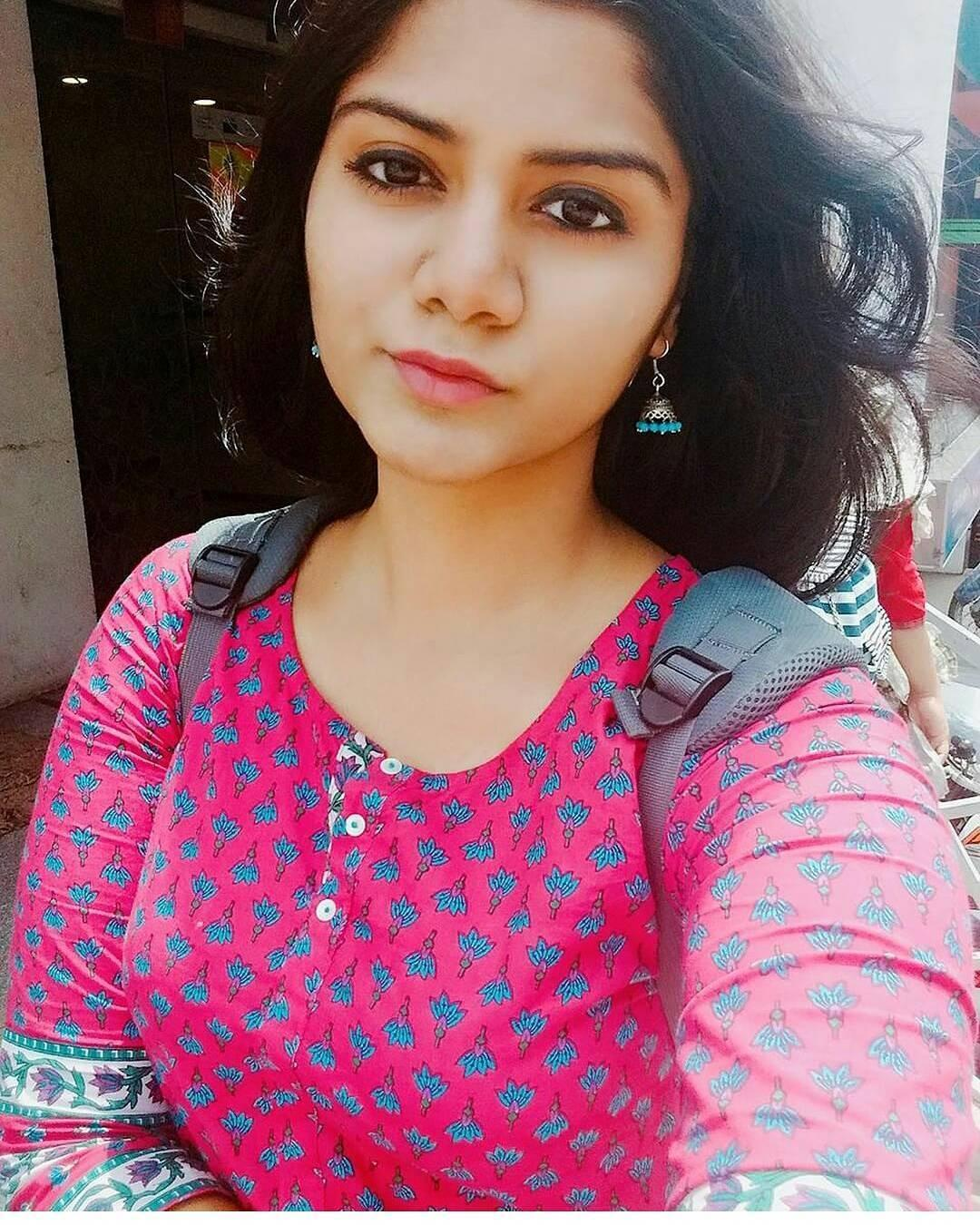 Beautiful Indian Girls | Most Beautiful Indian Girl Images