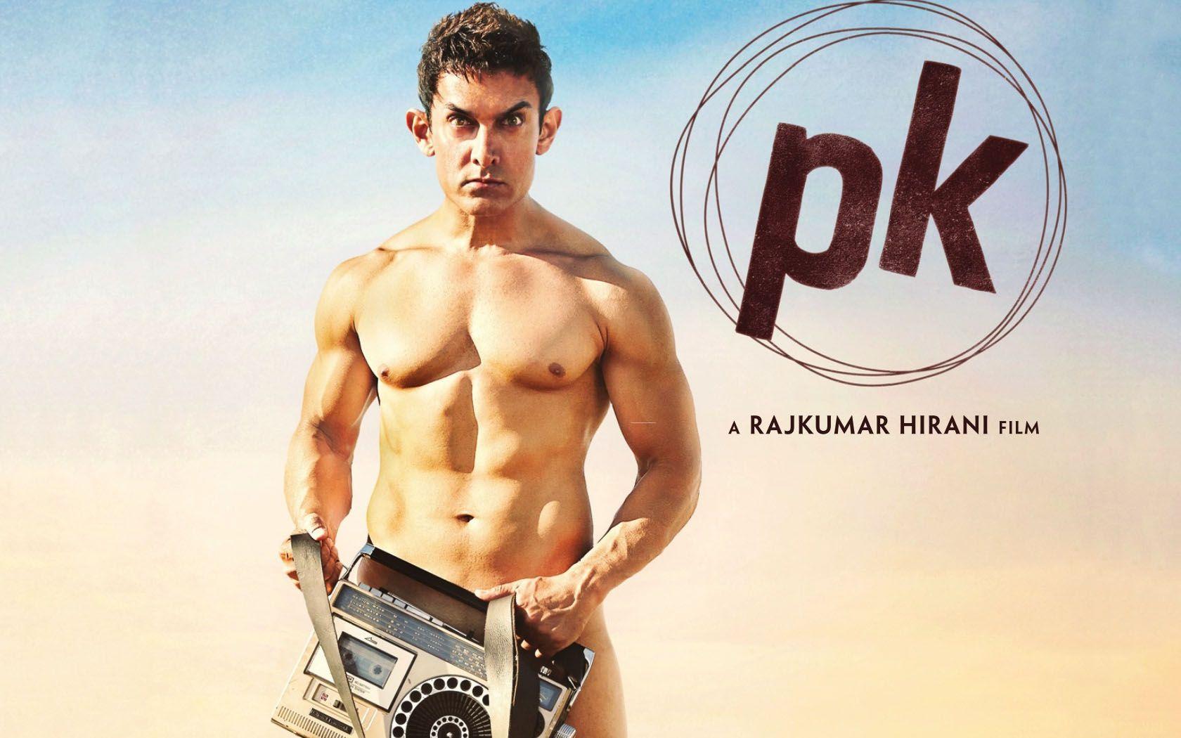 Fan imitates aamir khan's pk poster, walks nude on streets