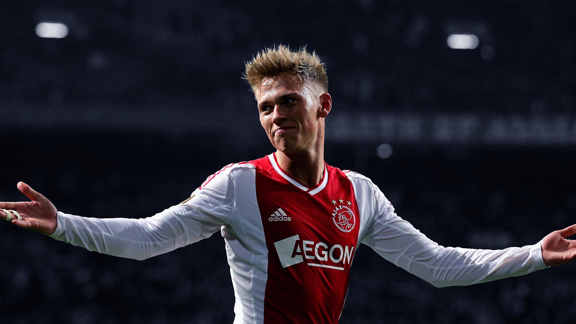 AFC Ajax Background 10