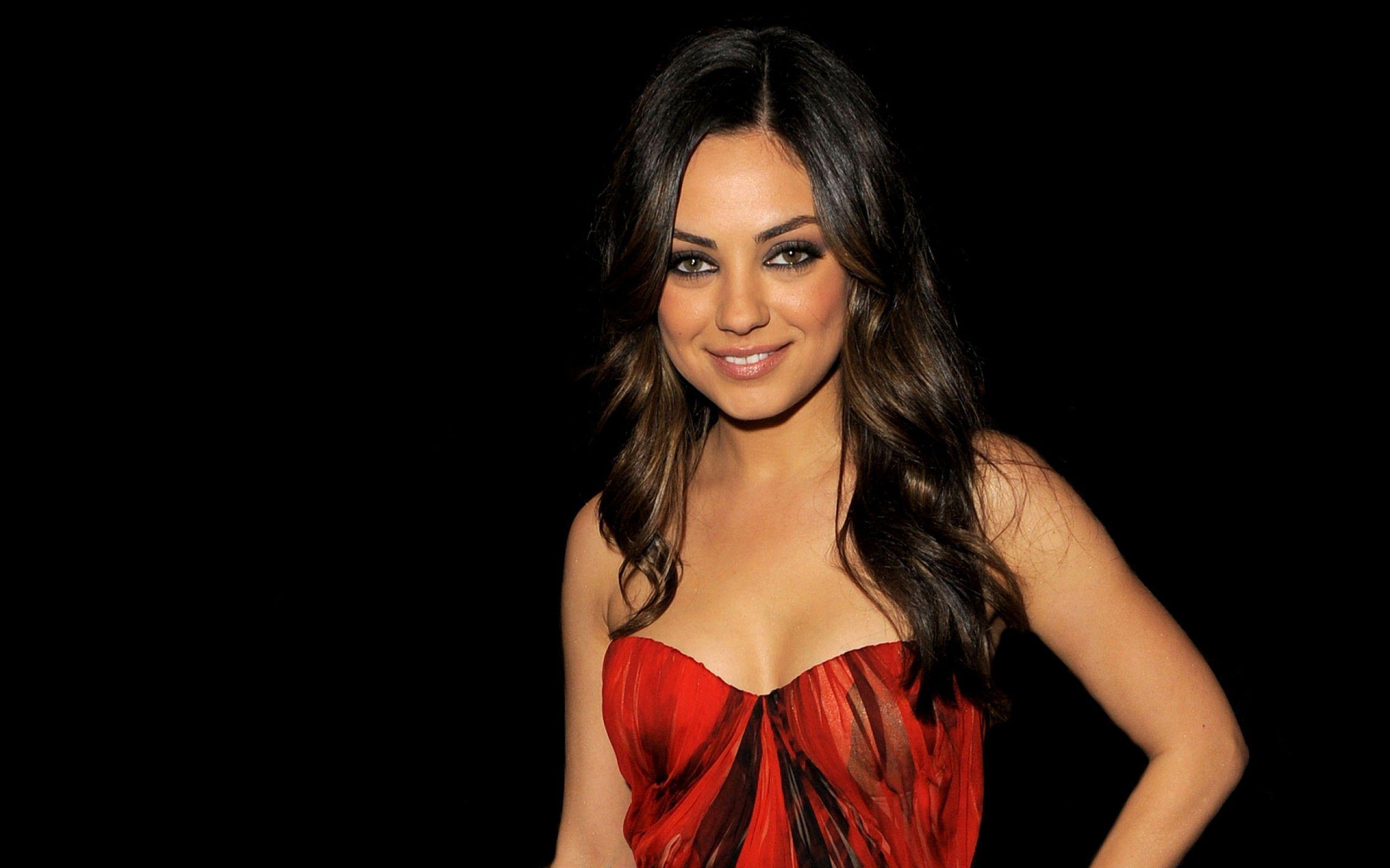 Image For > Mila Kunis Beautiful Wallpapers